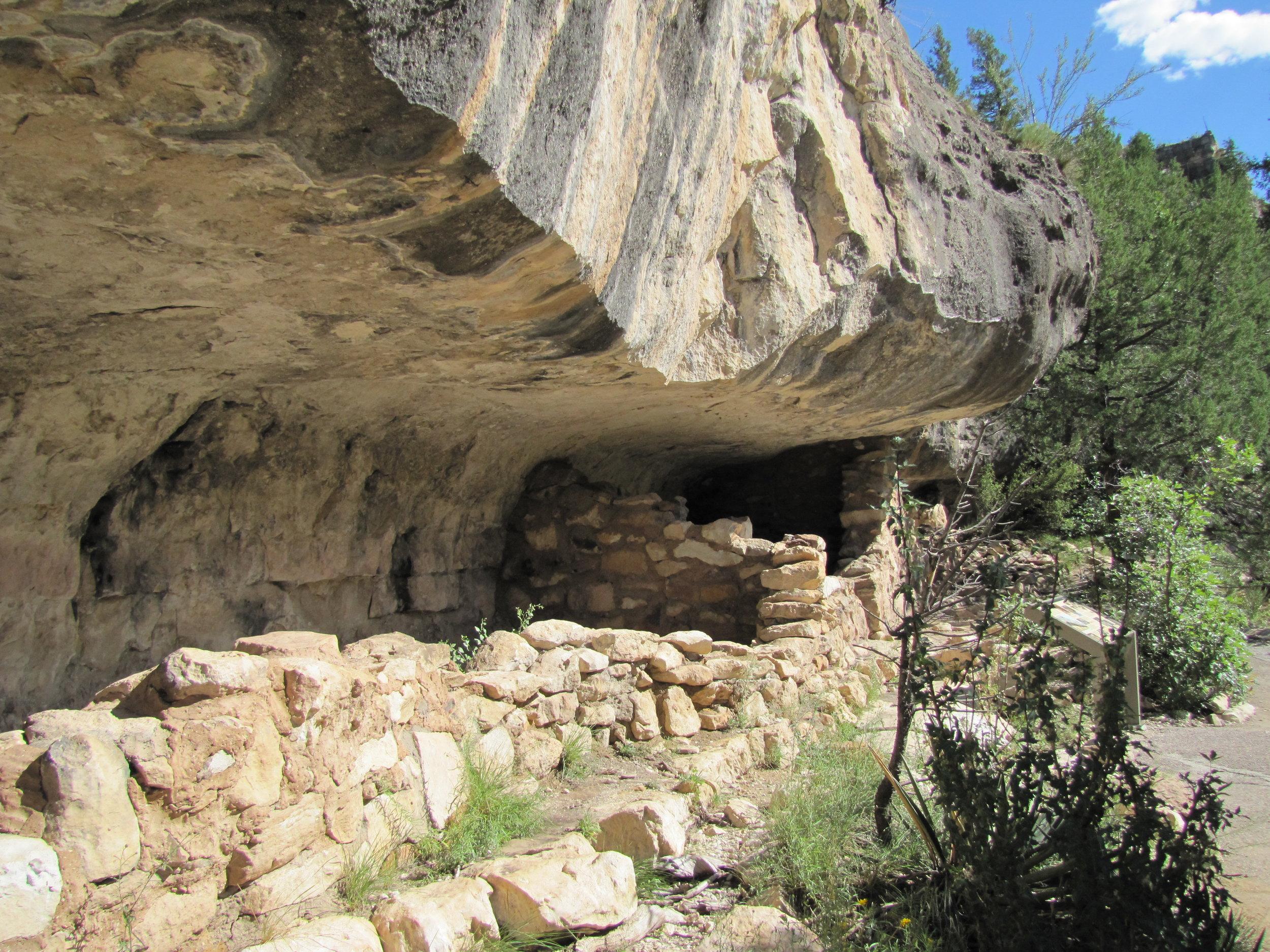 Walnut Canyon National monument  - cliff dwellings - arizona -2010