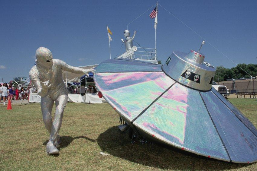 So many cool festivals to enjoy ... like the UFO Fest in Roswell, New Mexico