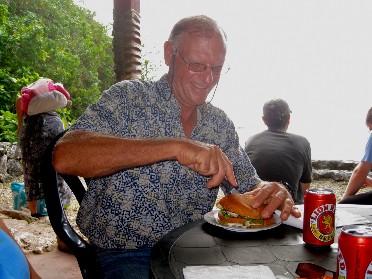 David enjoys a cheeseburger in paradise at The Washaway Cafe