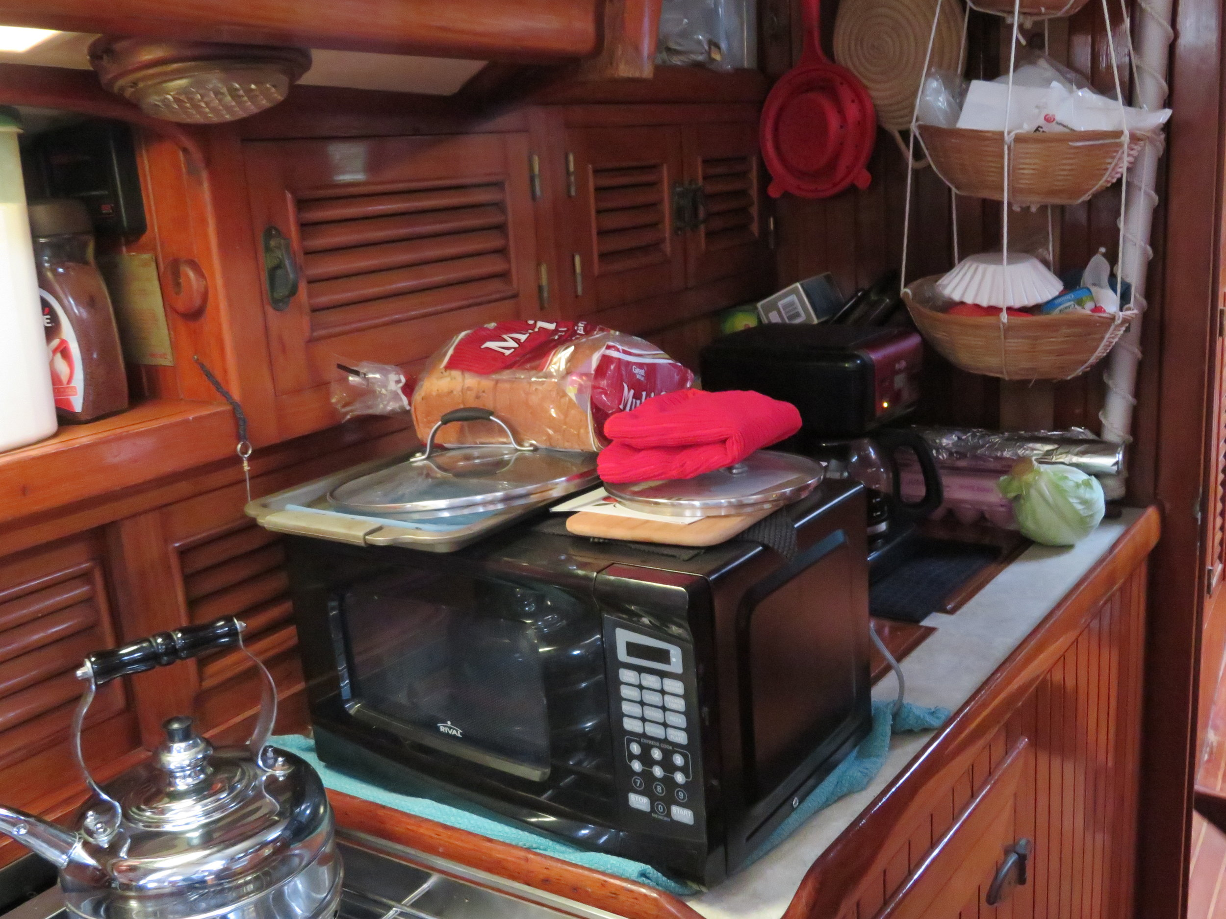 The galley is in a shambles ... but hopes springs eternal that it'll be shipshape soon.