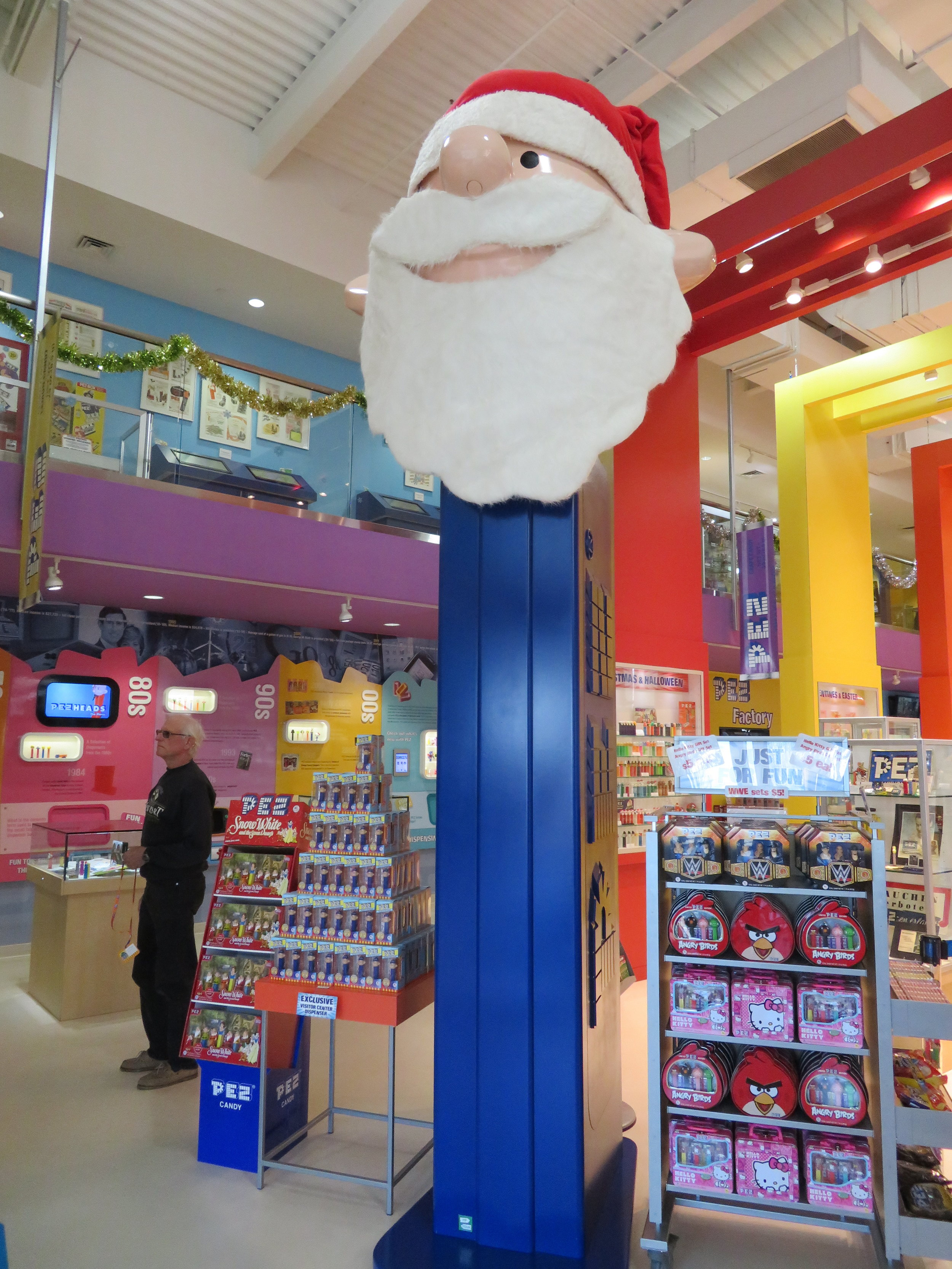 World's biggest PEZ dispenser ... makes you want to say WOW! (kinda...)