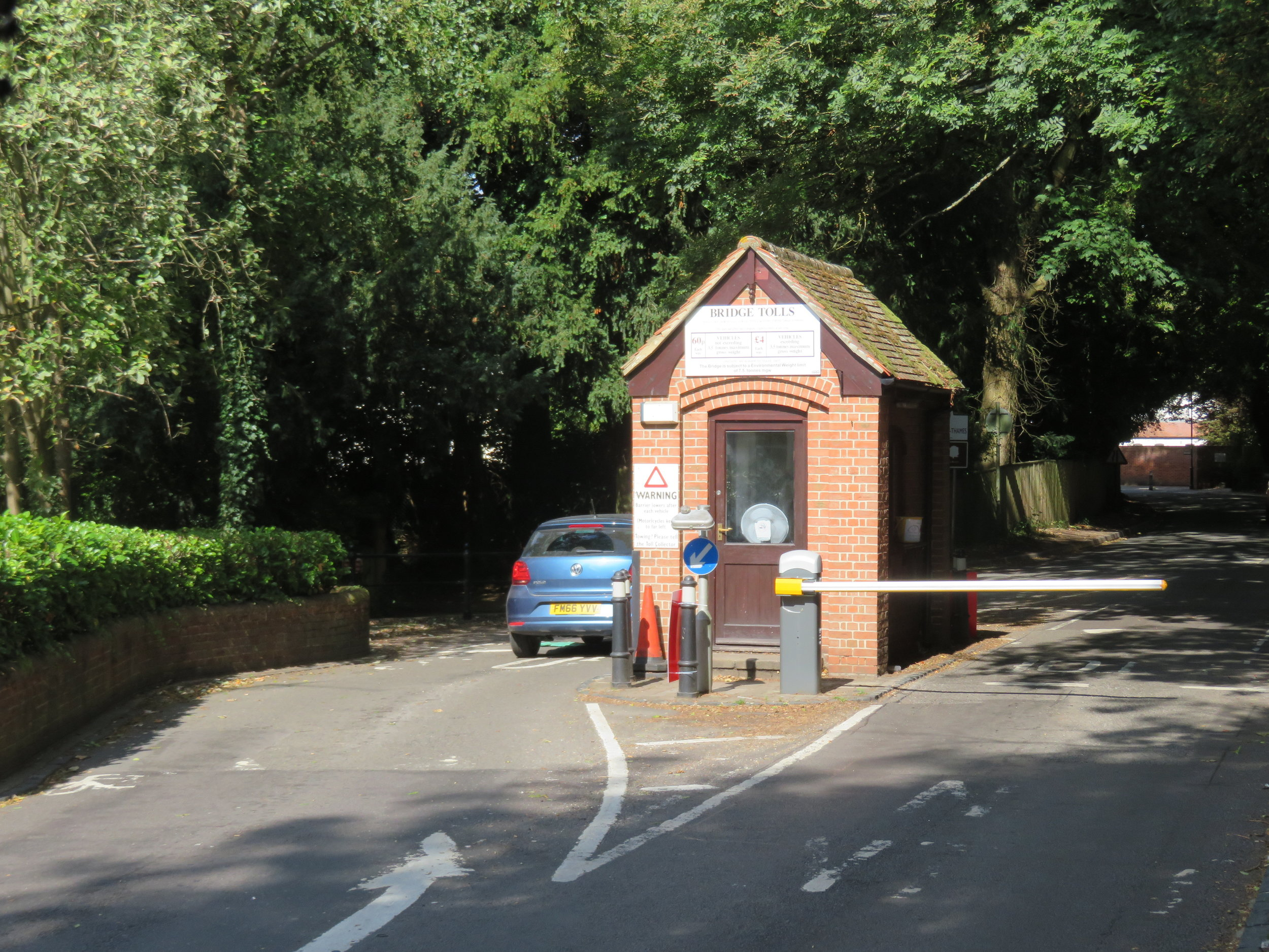 Pangborne toll booth