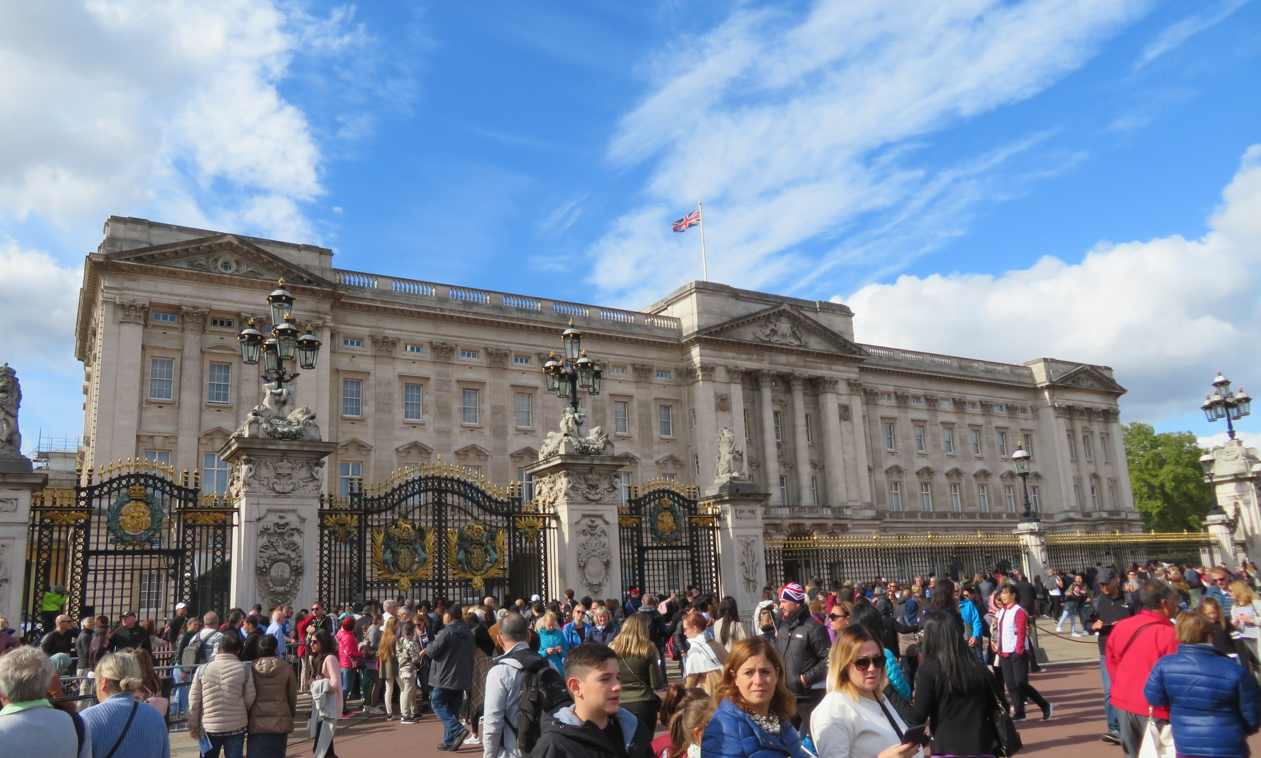Gob-smacking Buckingham Palace … very regal digs!