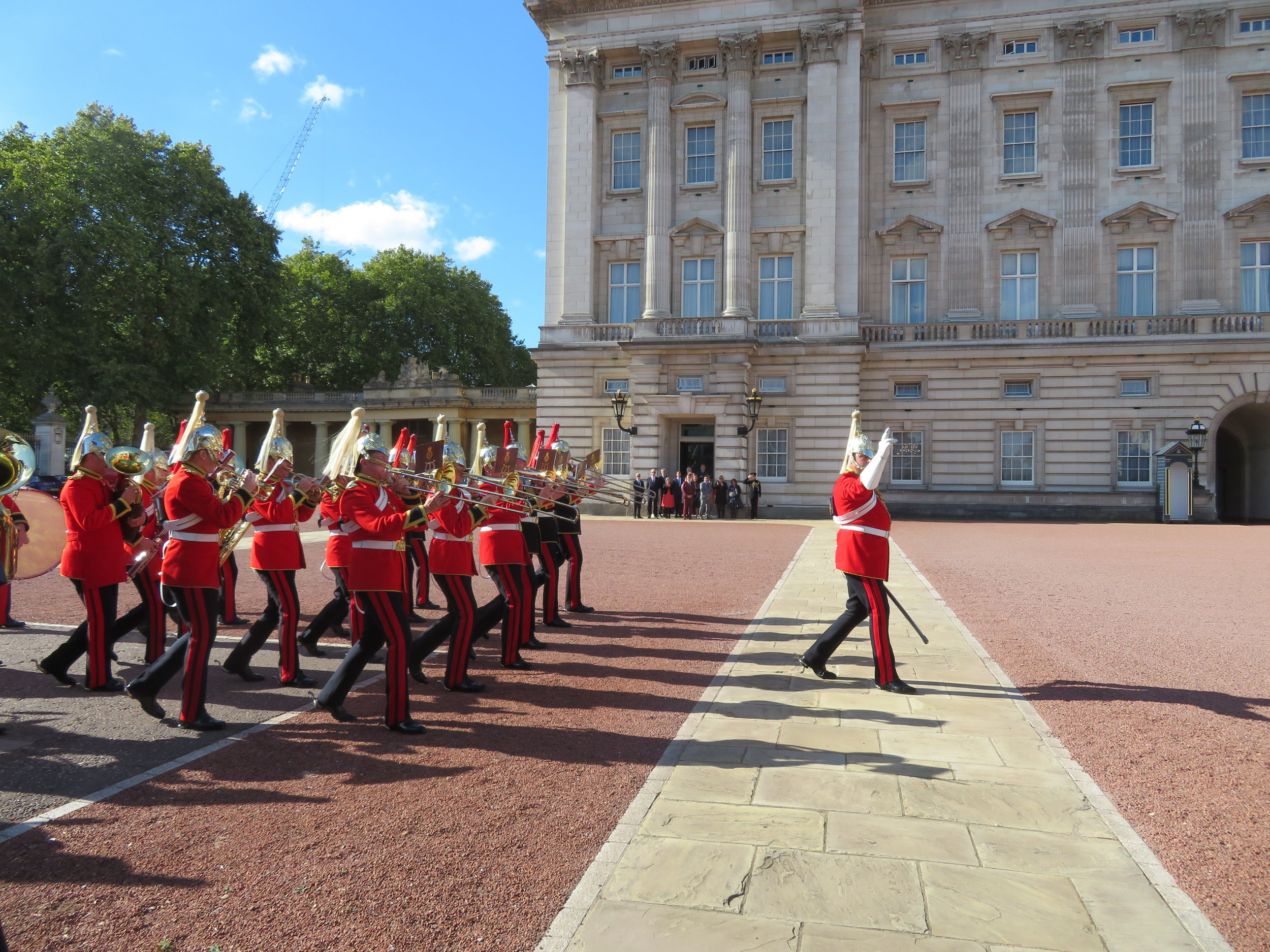 london1-changing guards-household calvary band.JPG