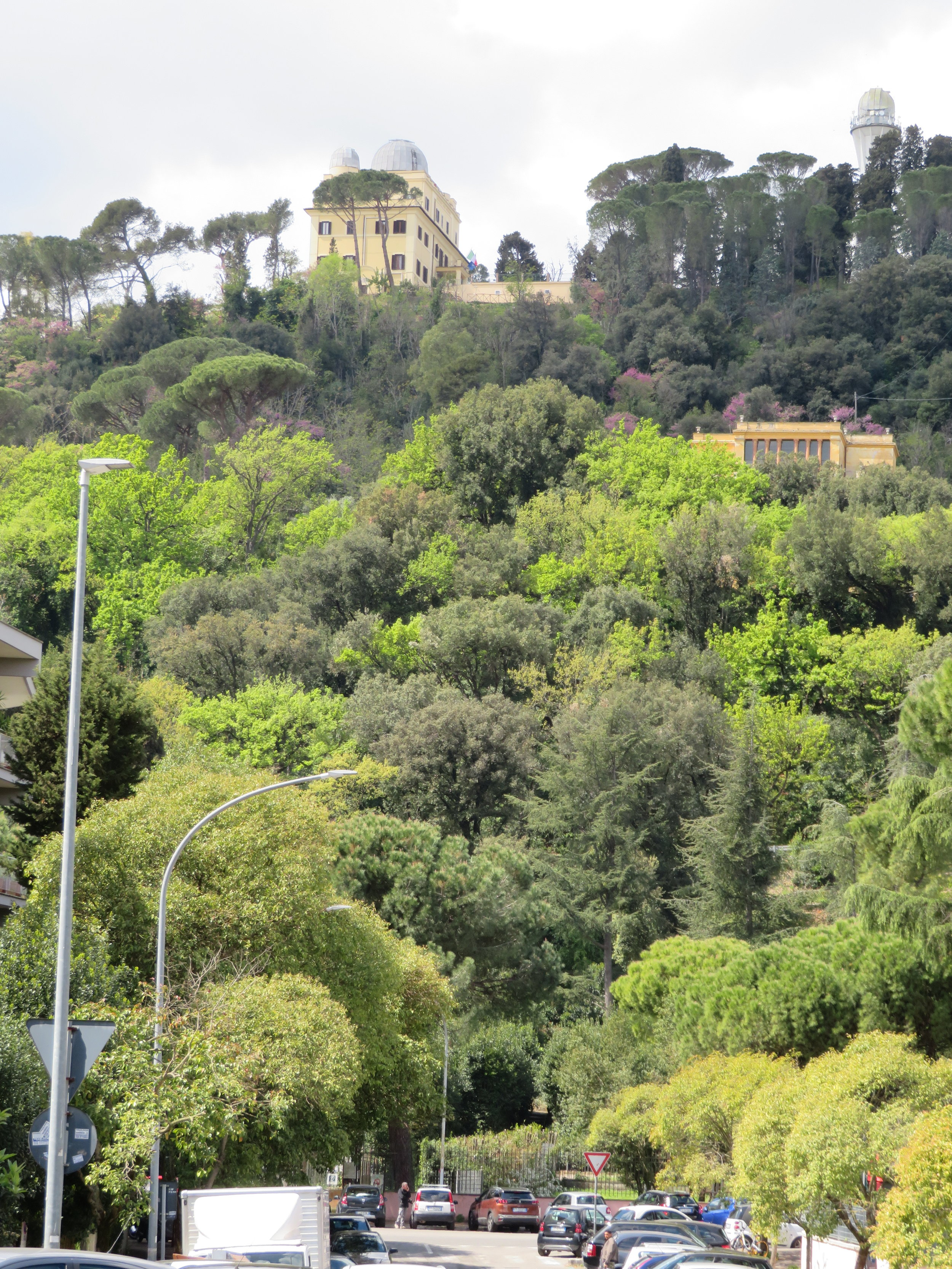 We decided to walk the 1.6 miles from the Square (the official beginning of the Via Francigena) to the start of the path out of Rome rather than retrace our steps in the morning. Our walk will begin at the entrance to the Parco Monte Mario, then up that hill.