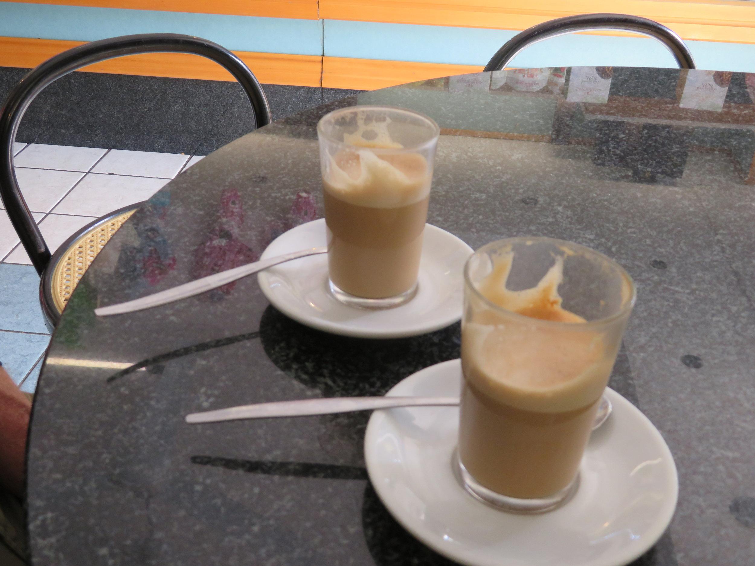 Caffe-latte, yum!