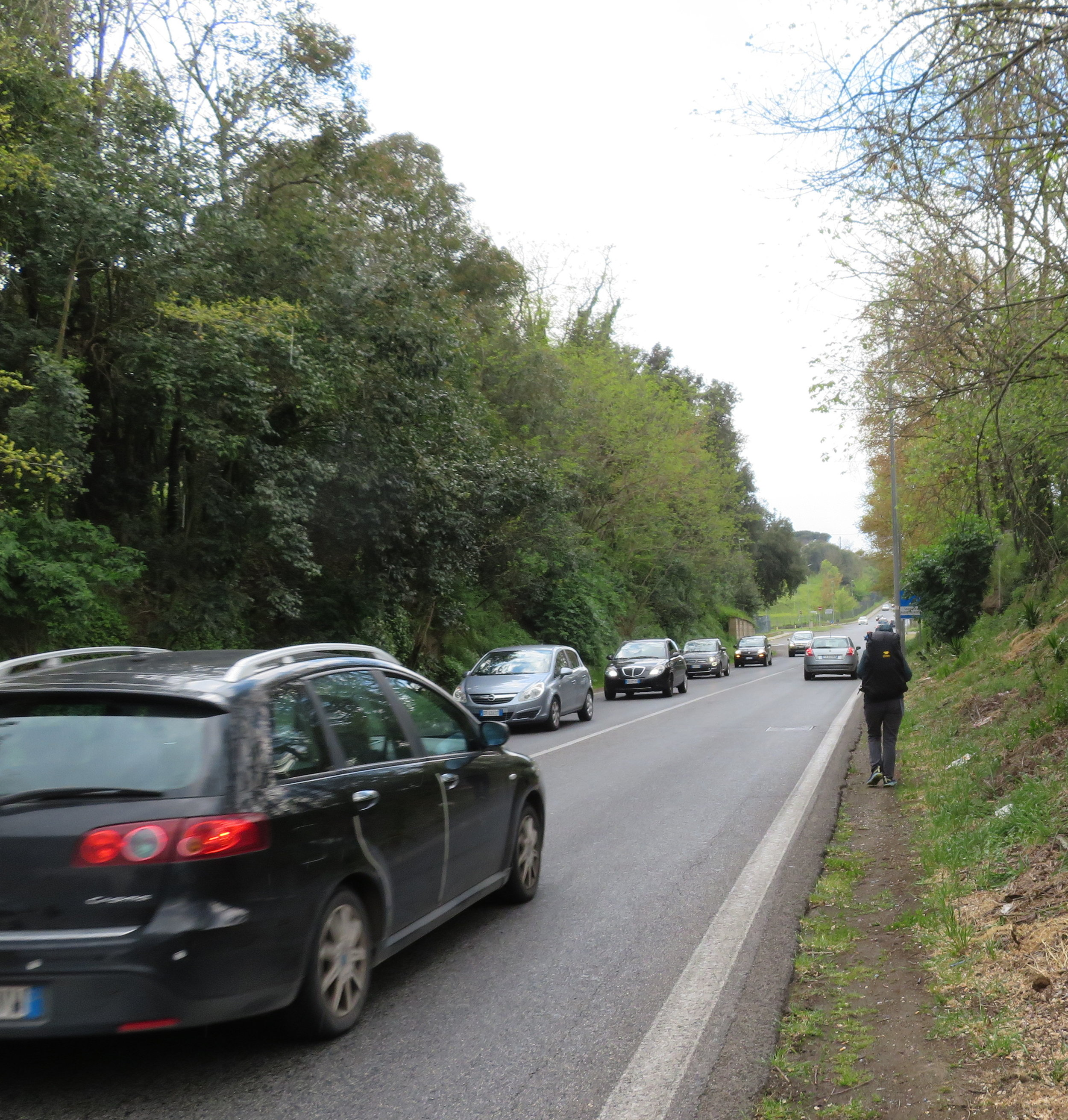 Rome-to-Isola_walking with traffic.JPG