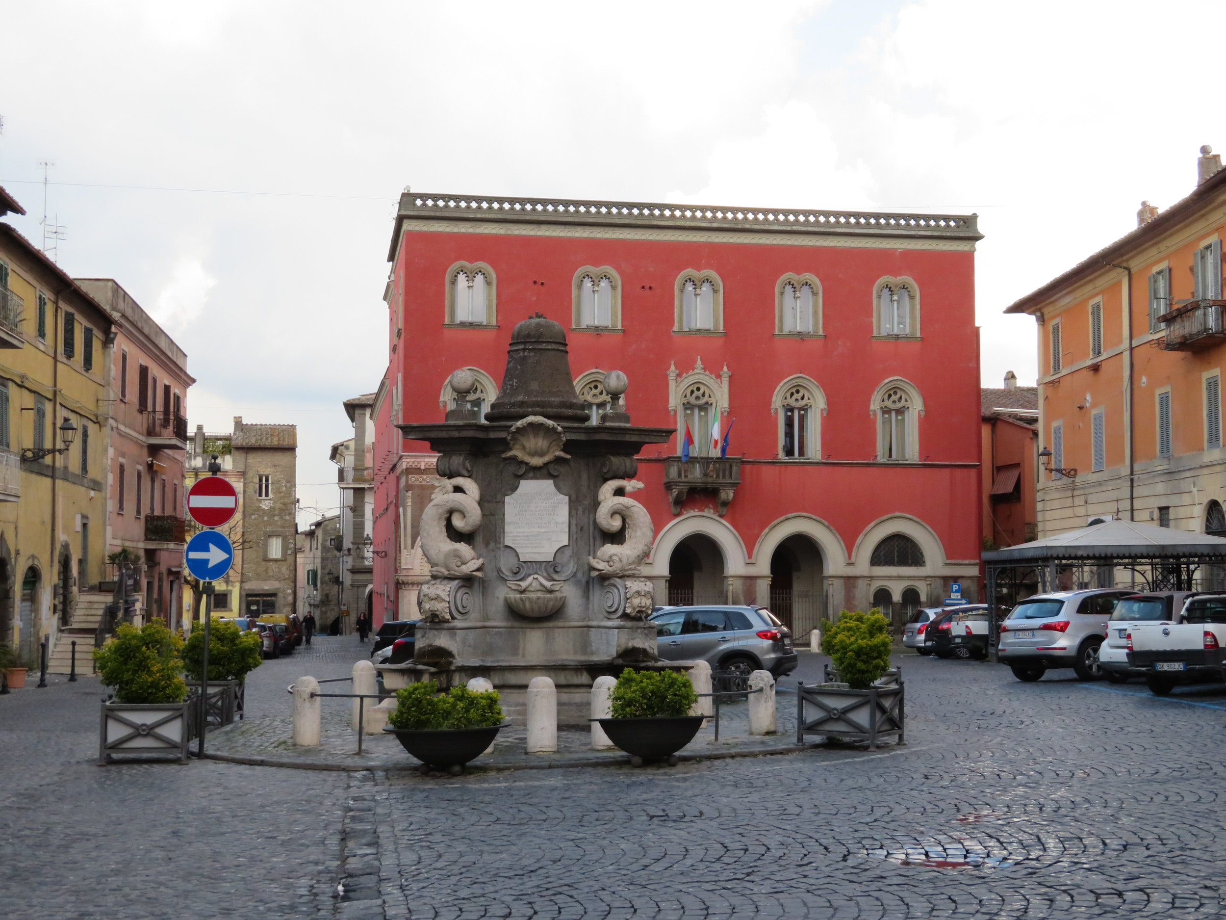 The main plaza in Campagnano's historic district was pretty deserted when we left in the morning. Italy does not rise early.