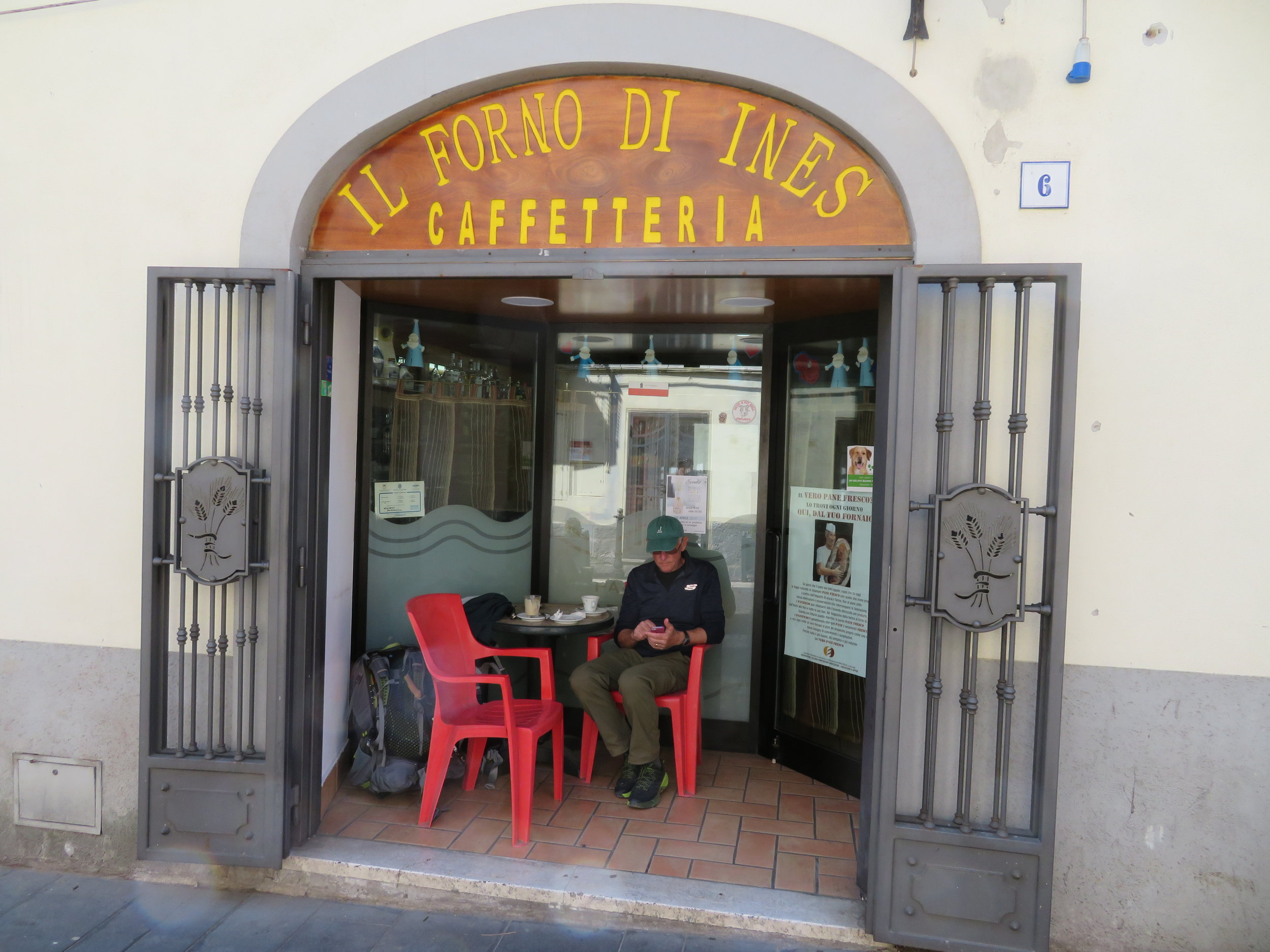A stop at a  caffetteria  in the pleasant little town of Monterossi for coffee and a croissant helped us overcome our earlier ice cream disappointment and provided a great little pick-me-up for completing the rest of this particularly long day.