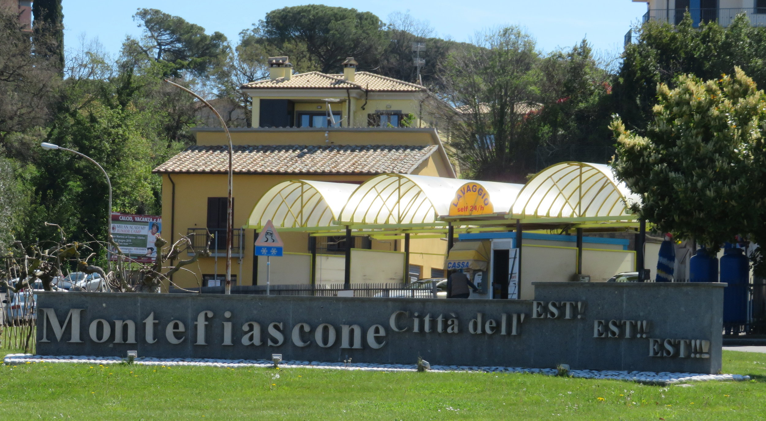 Montefiascone's welcome sign