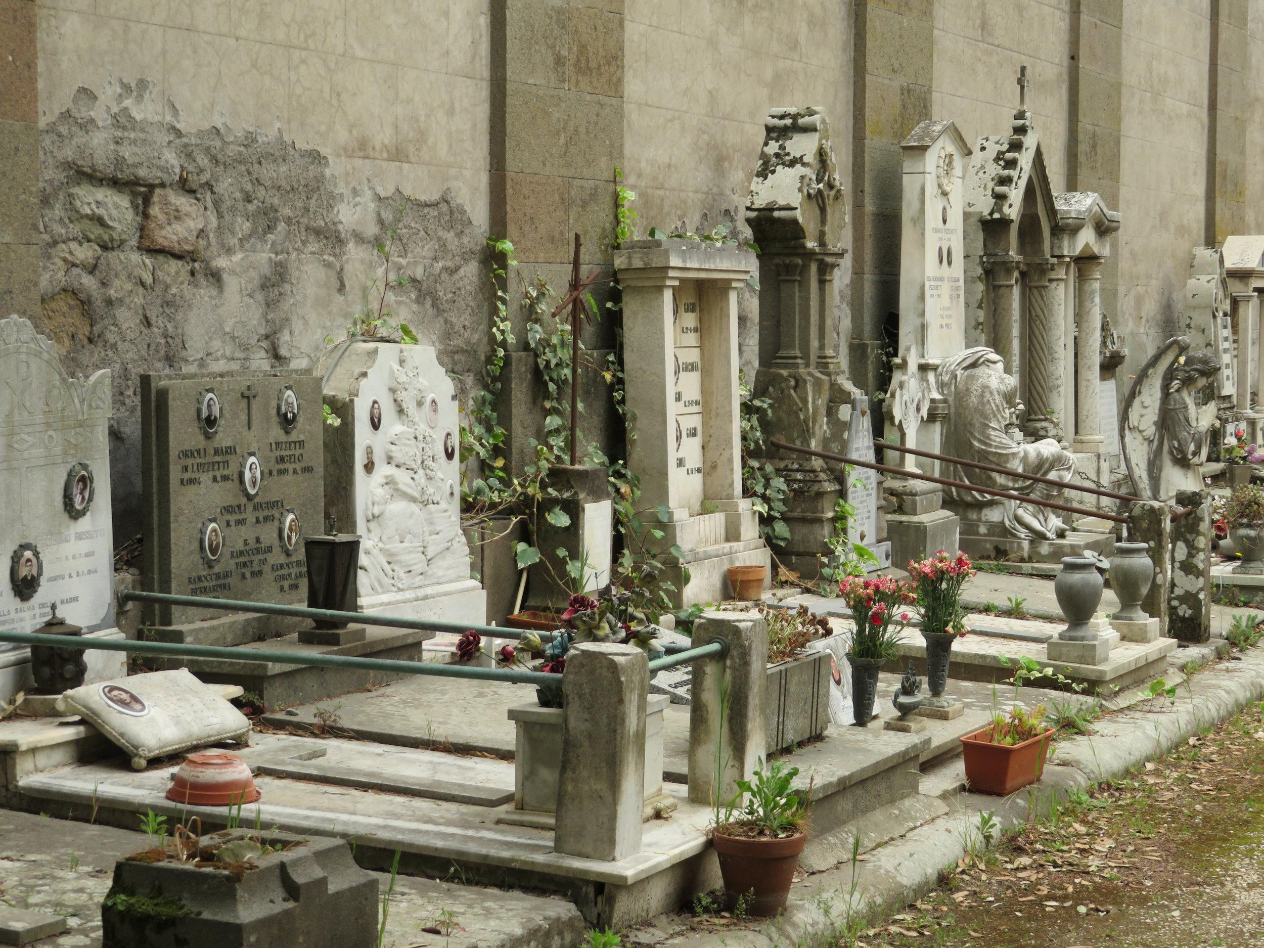 Day6-Viterbo-Monte_cemetery.JPG