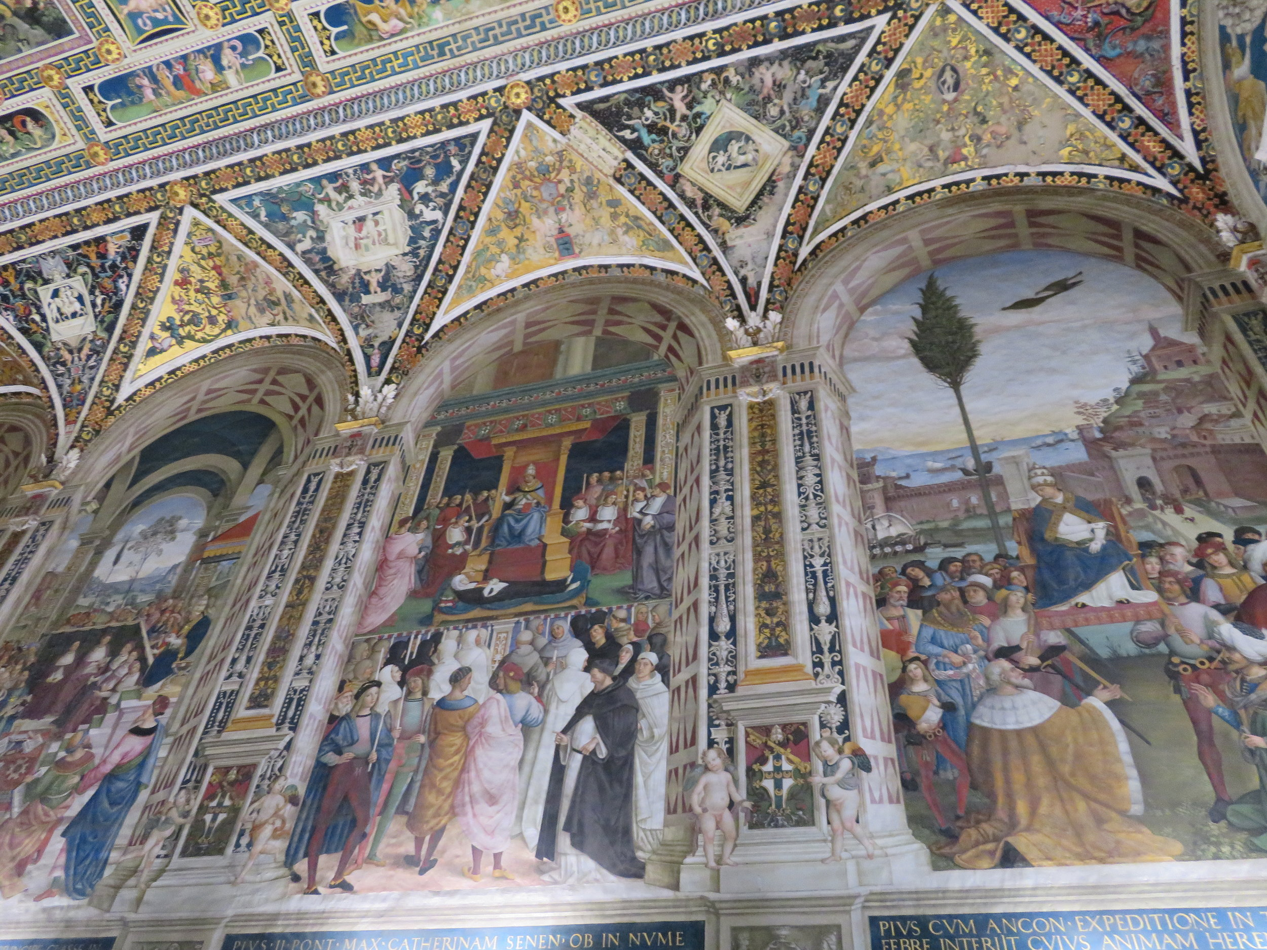 the frescoes on the ceiling and walls by Pinturicchio and his workshop stole the show.