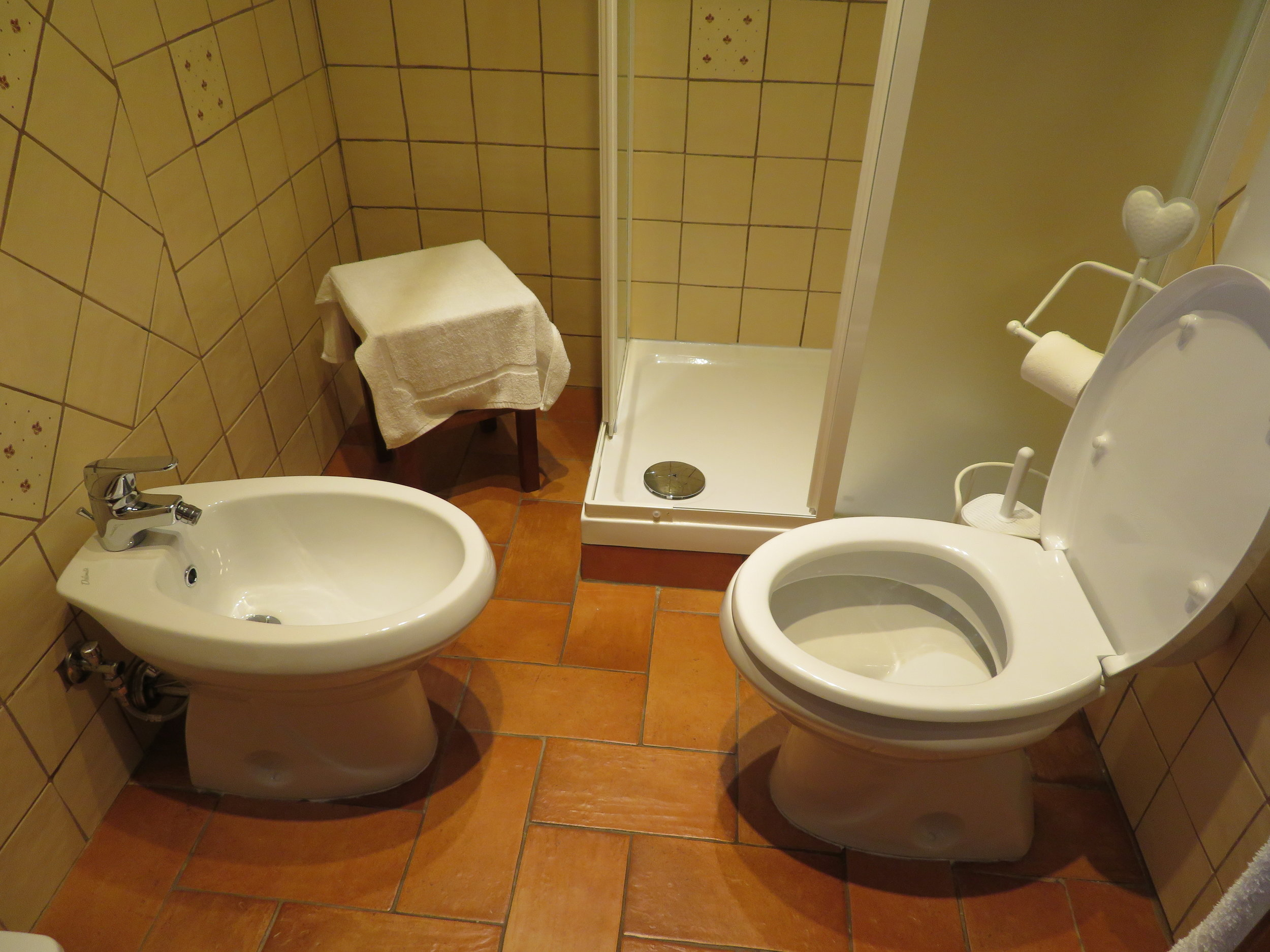 A typical Italian bath, complete with bidet
