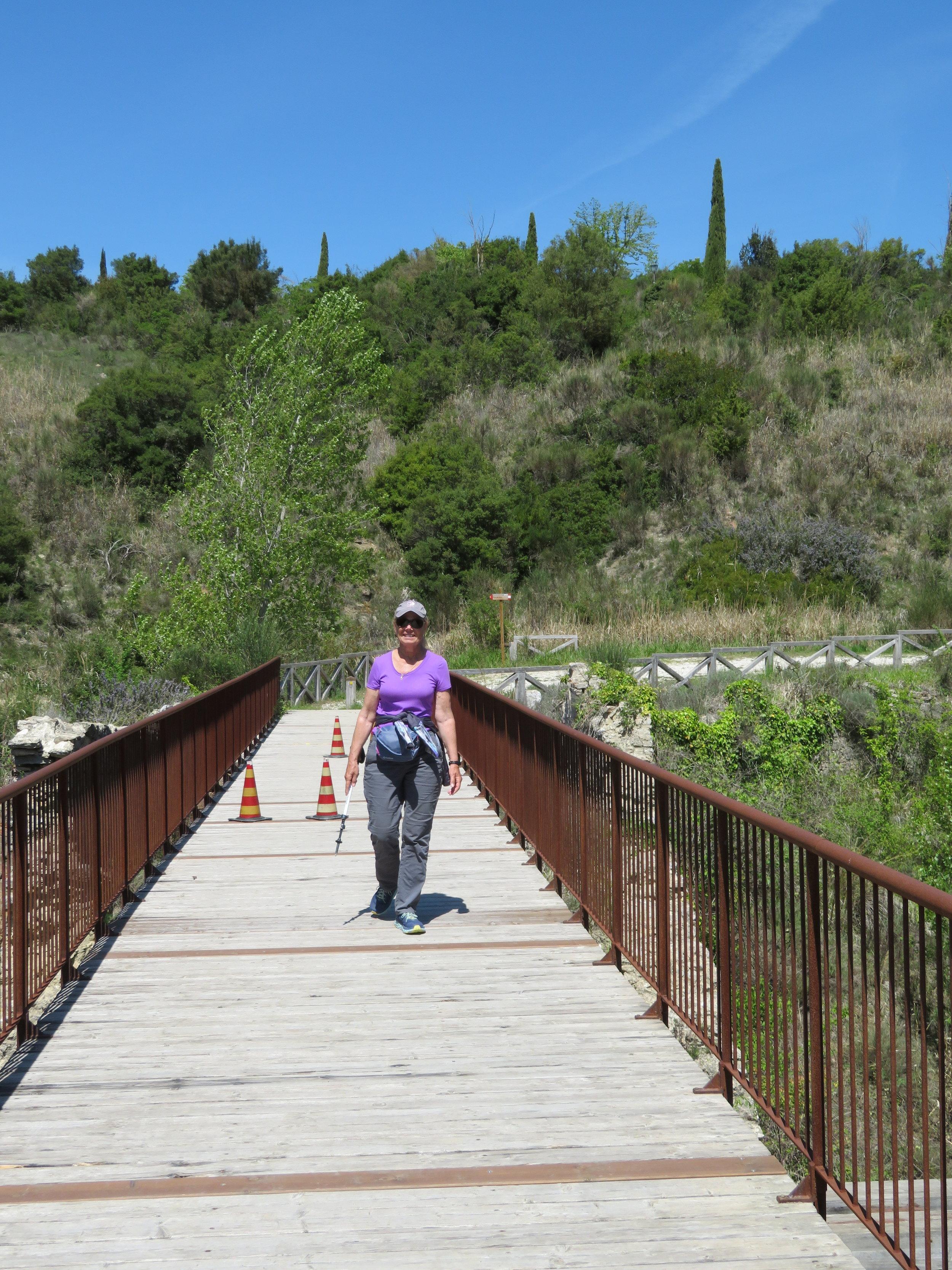 Heading across the Ponte Peruzzi on our way to Gallina