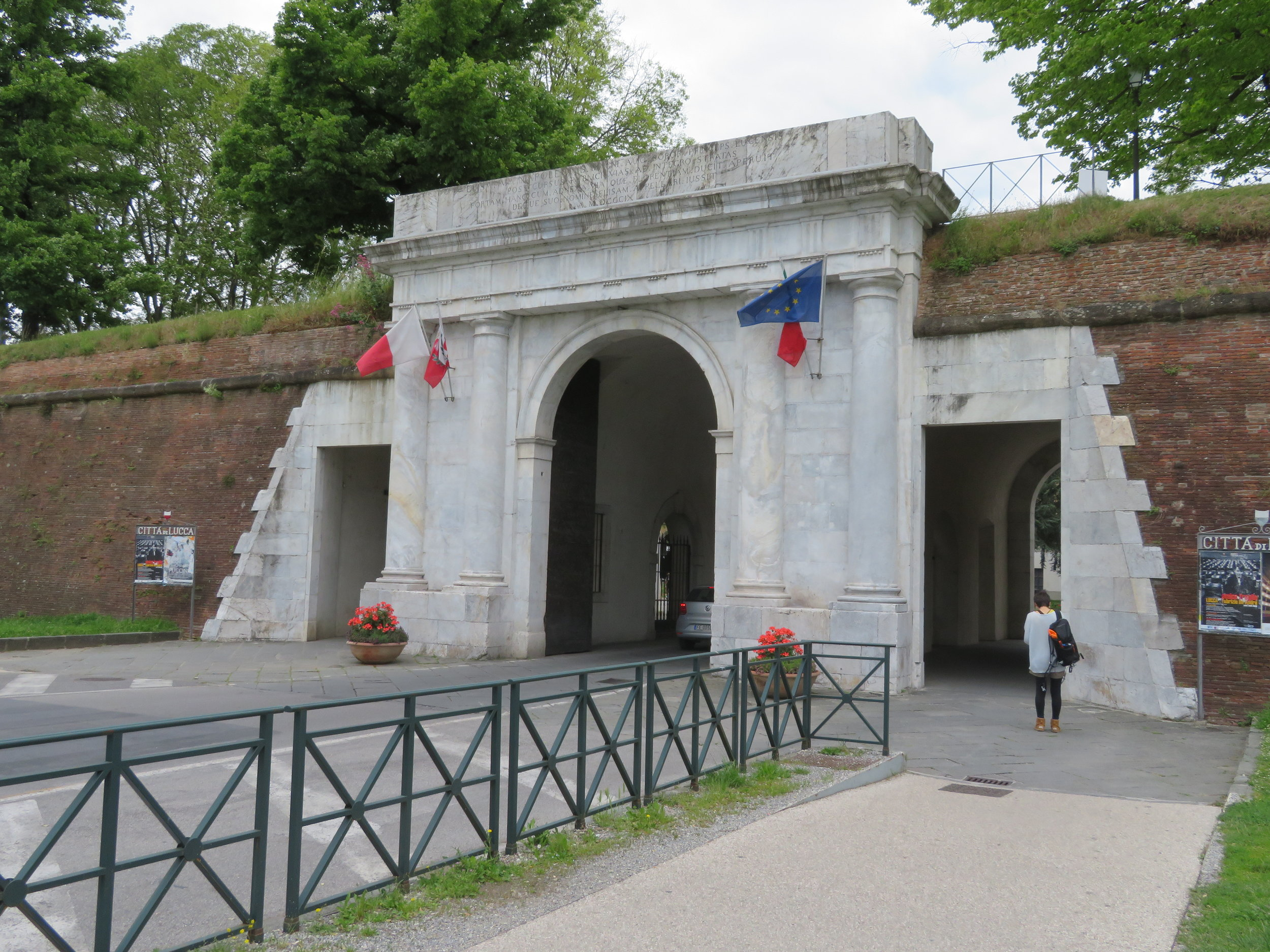 Porta Elisa, one of several entrances to the walled city of Lucca.