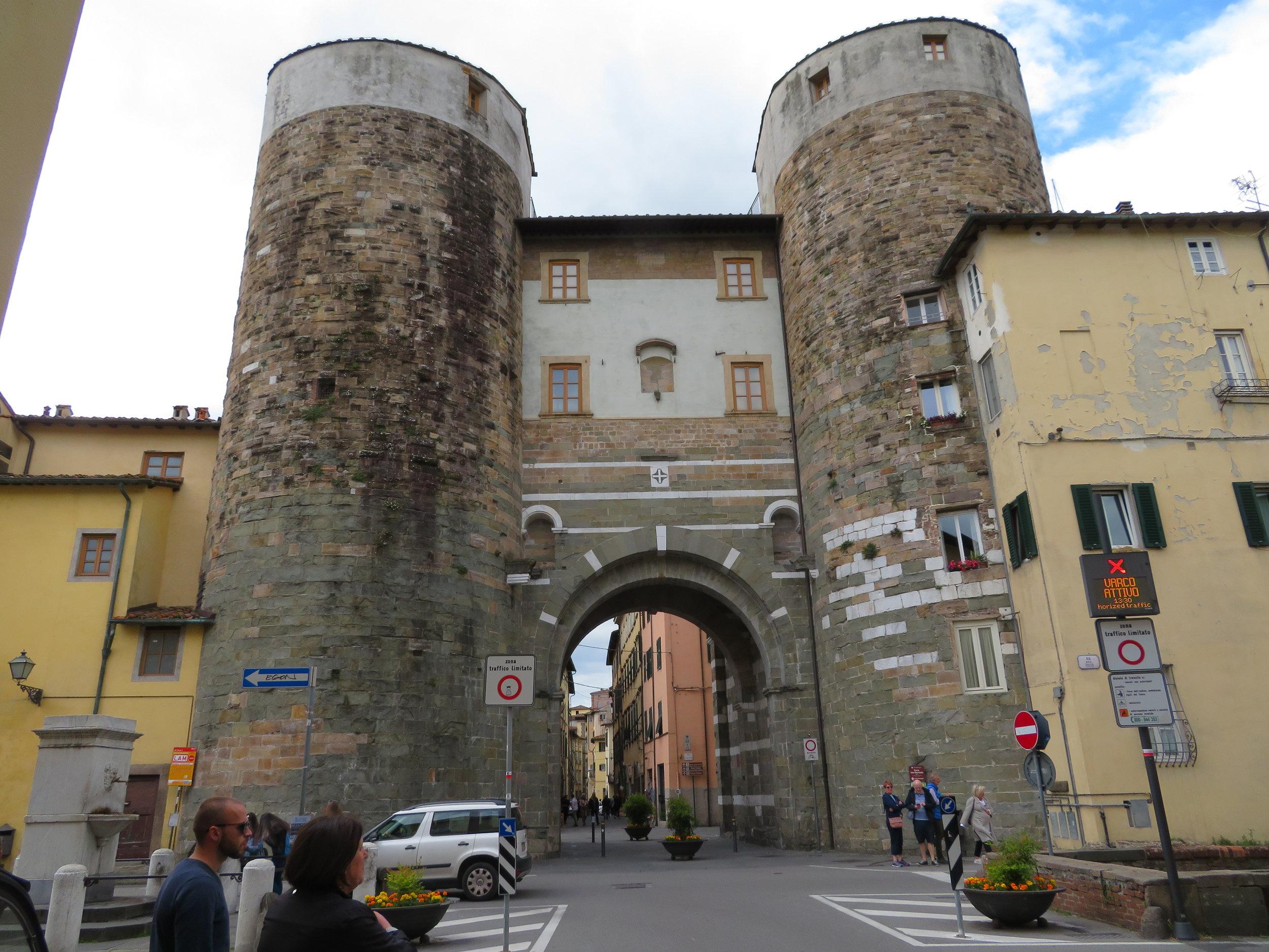 San Gervaiso inner city portal