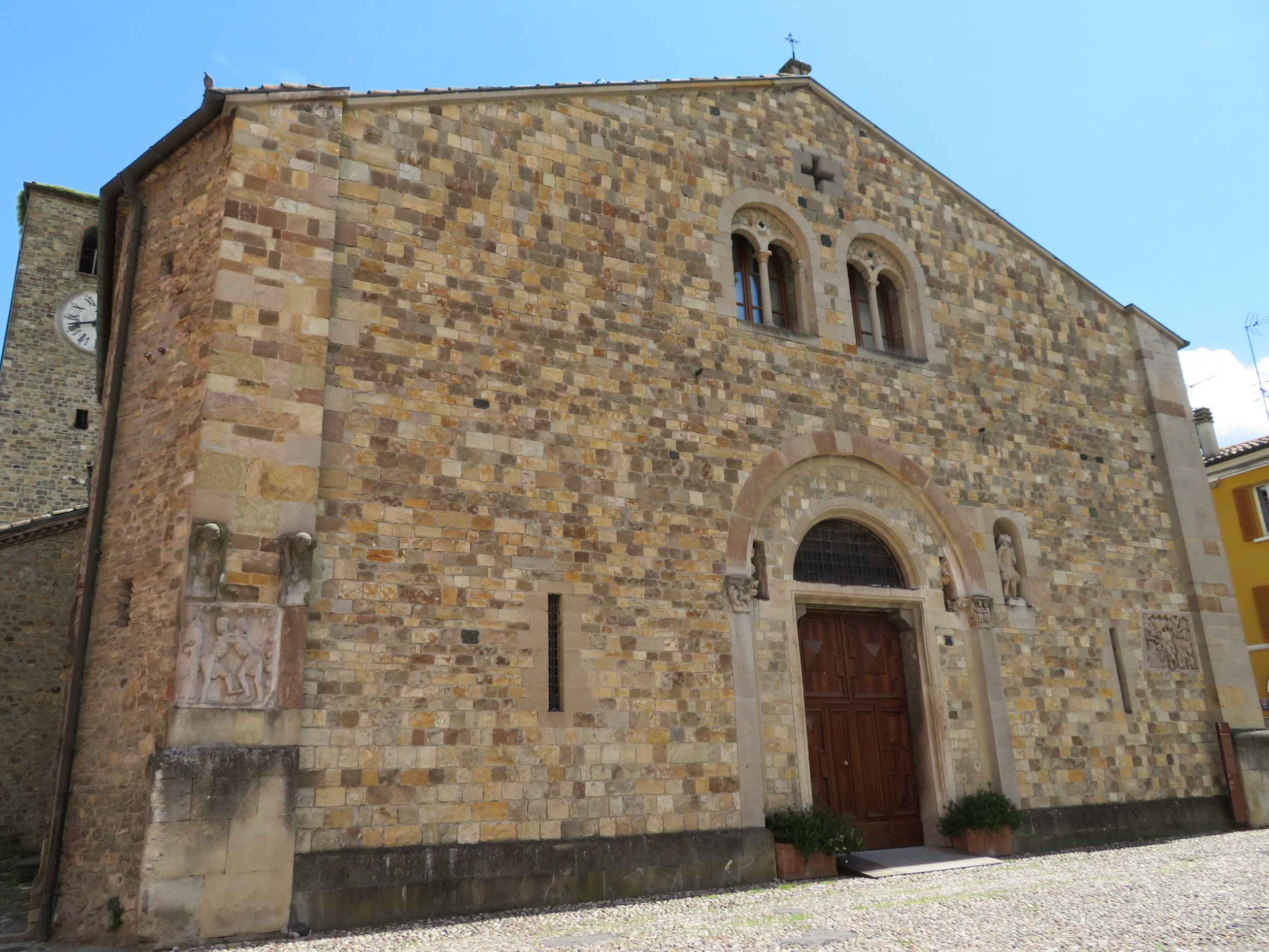 cassio-fornovo_assumption of Mary parish church c.854.JPG