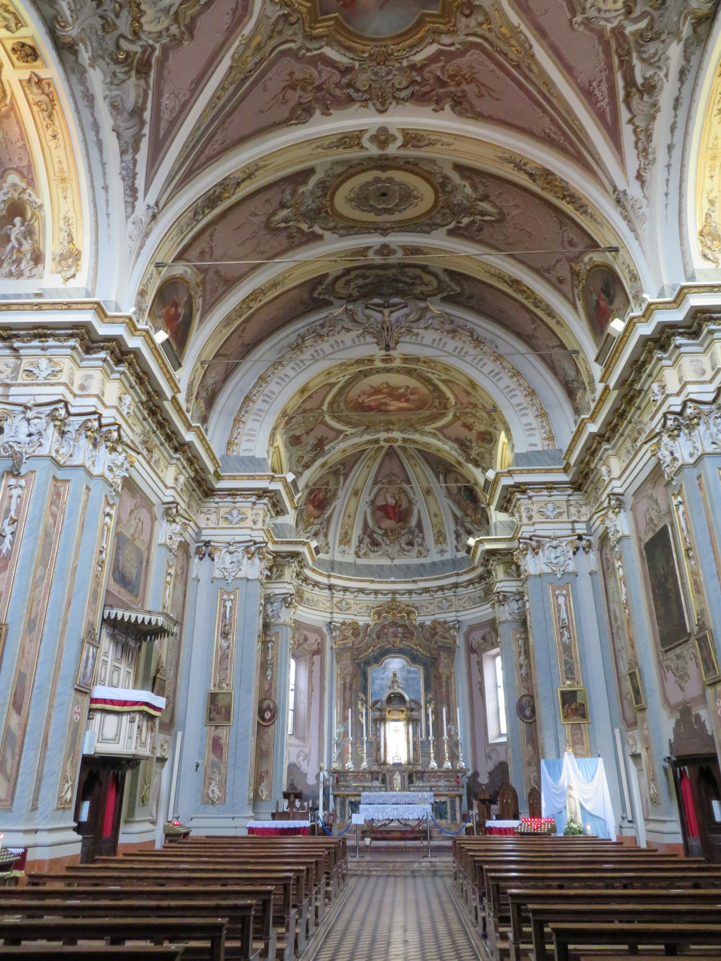 Orio-Santa Cristina_church inside.JPG