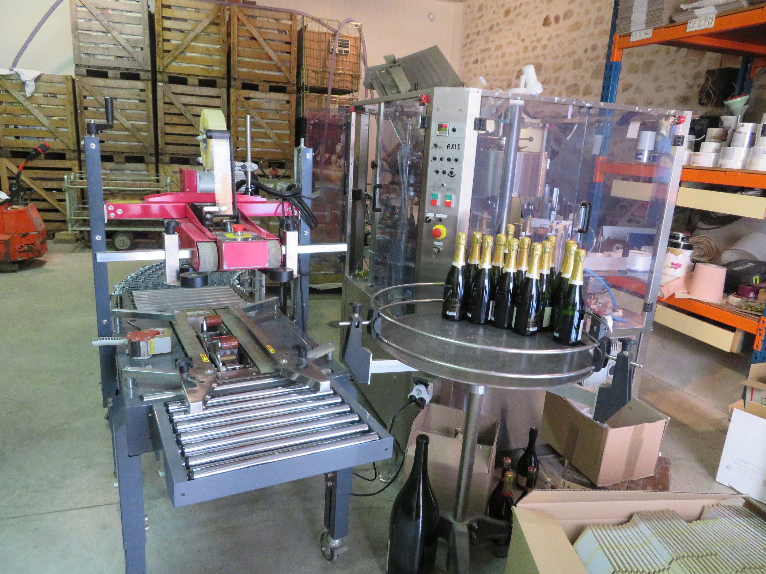 The corking and labeling machine.