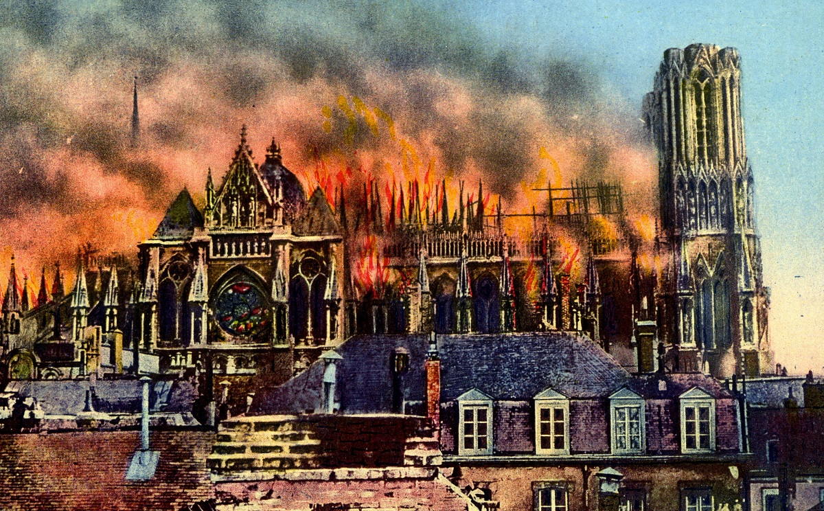 The cathedral at Reims burning
