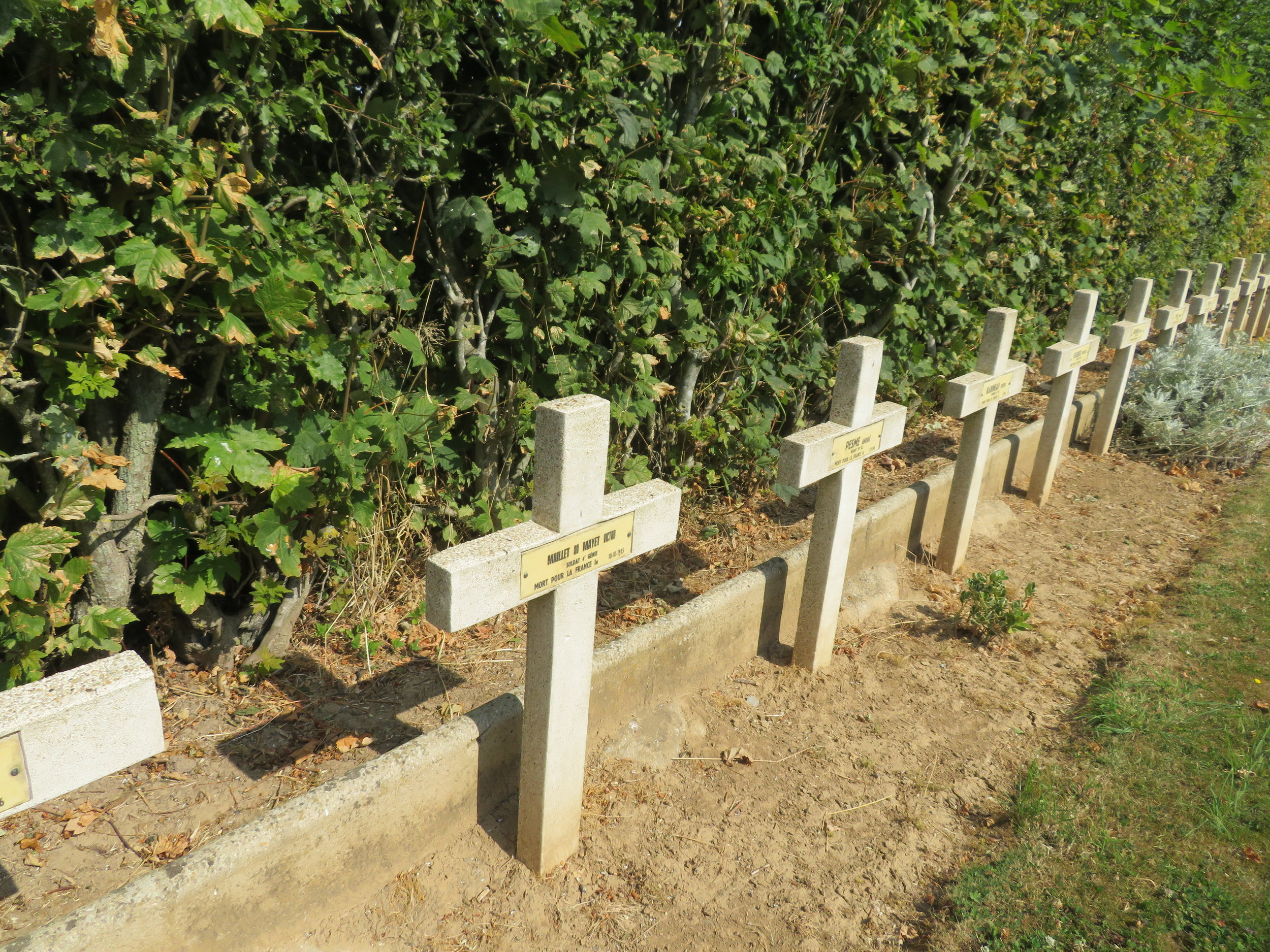 bapaume_war cemetery.JPG