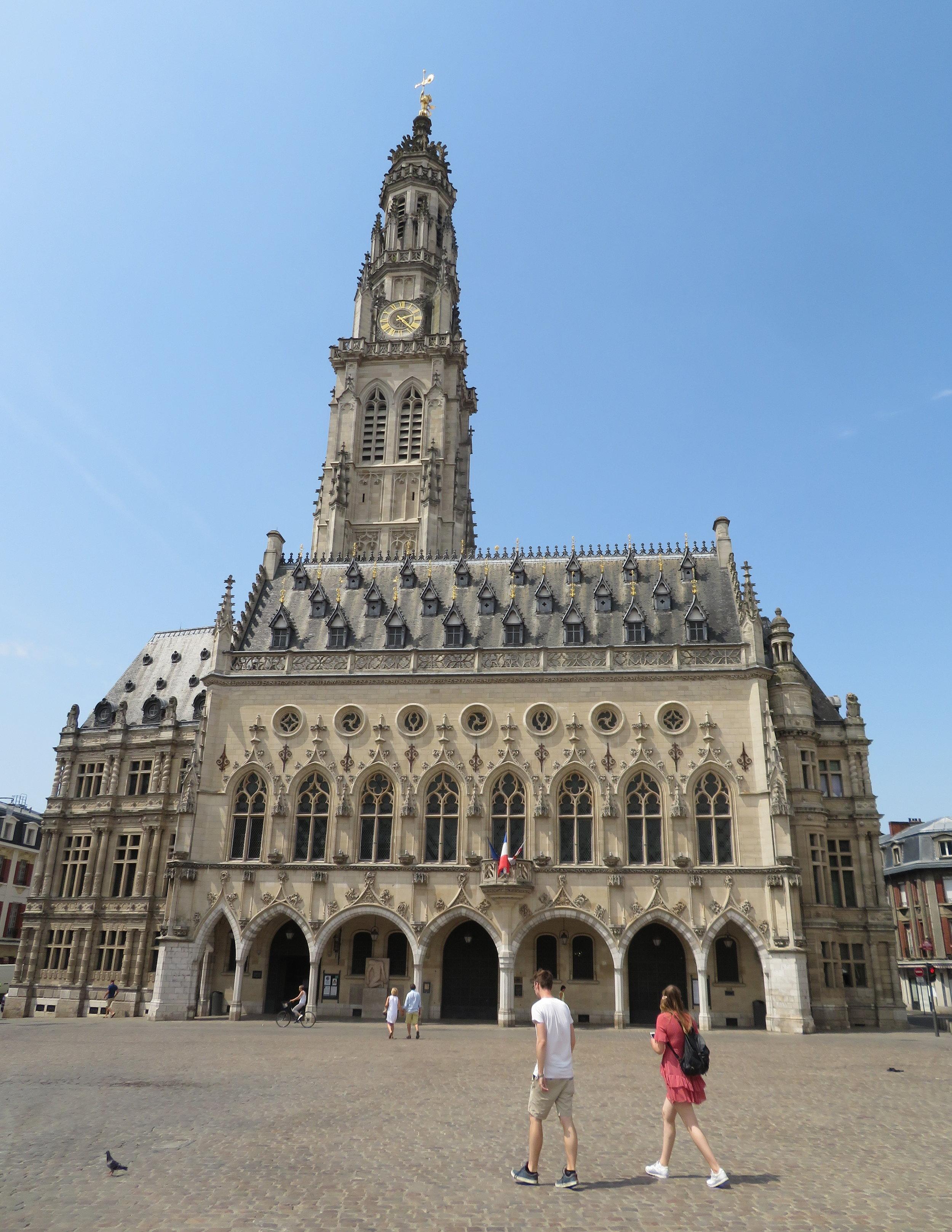 Hôtel de Ville (city hall) in Arras dominates the market square.
