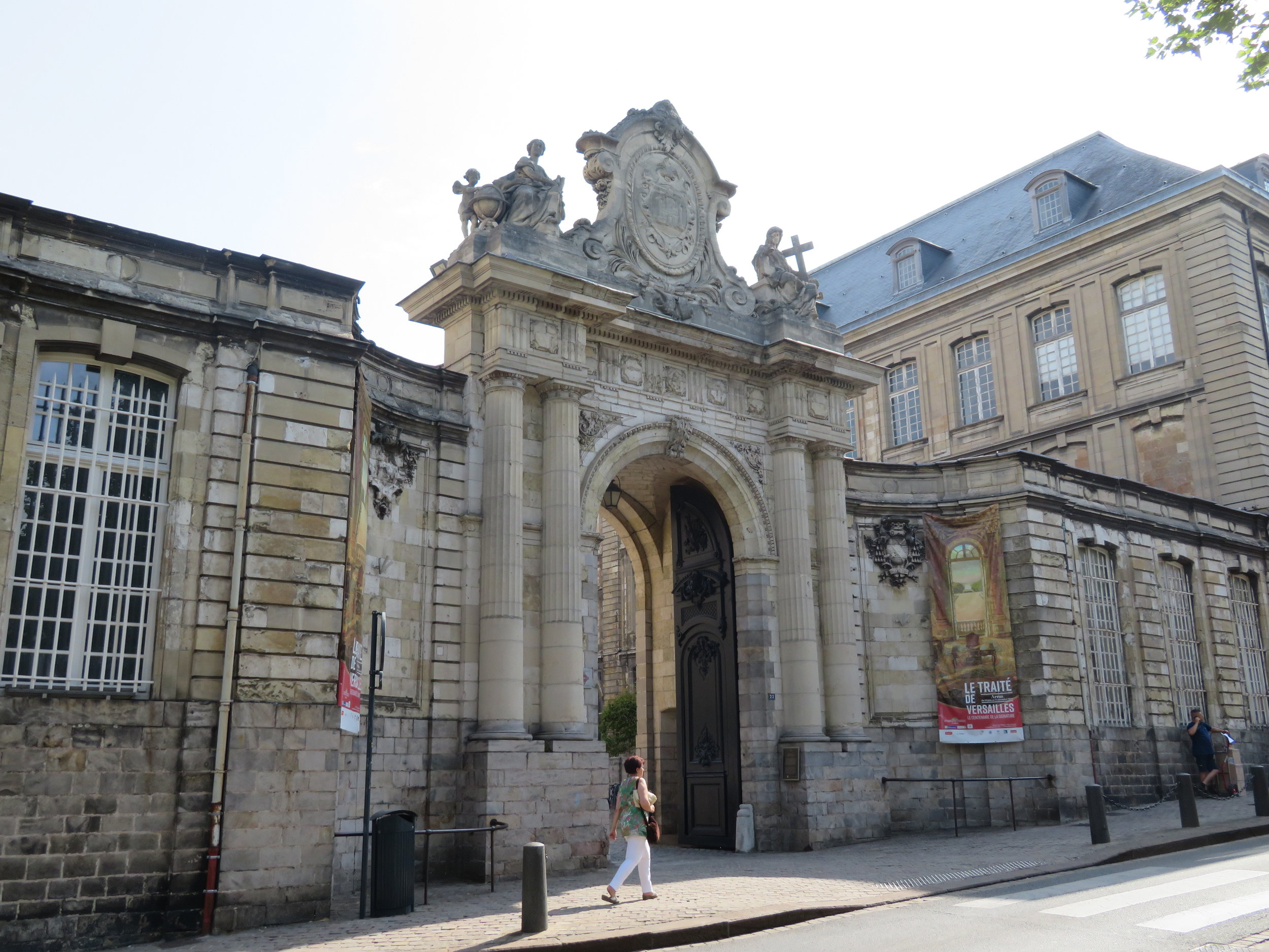 Entrance to Abbaye St. Vaast, now occupied in part by the Fine Arts Museum, was also closed.
