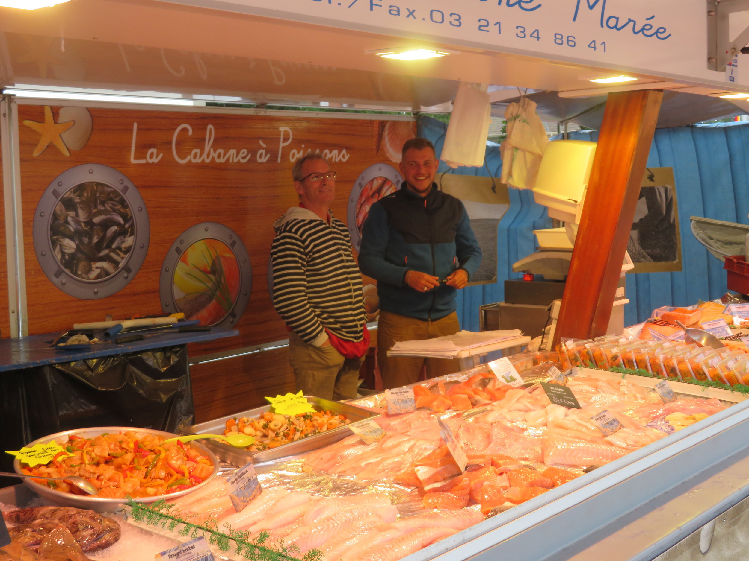 The fishmongers were only too happy to let me take a a pic of them and their offerings.