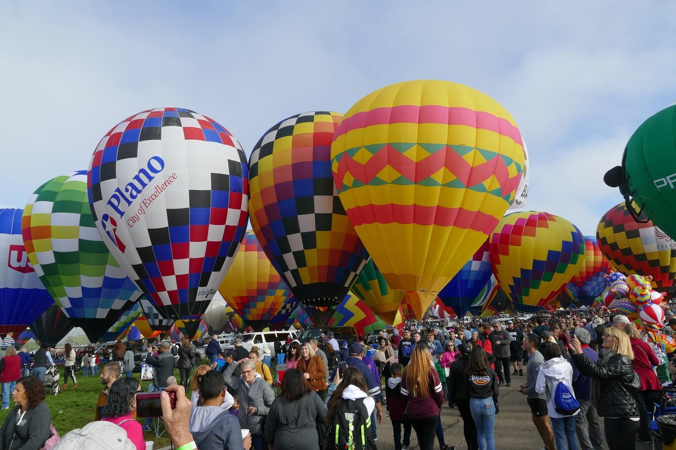 A static display instead of a mass ascension still wooed the crowds.