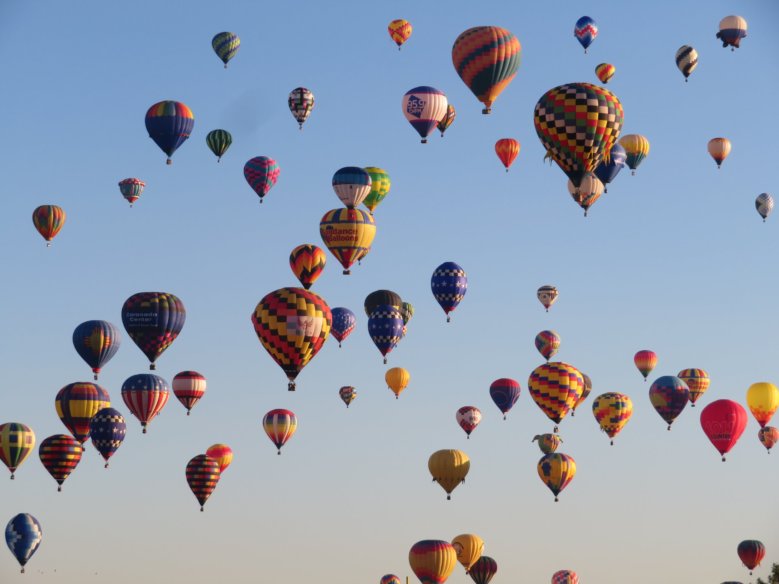 A few of thw balloons in the mass ascension