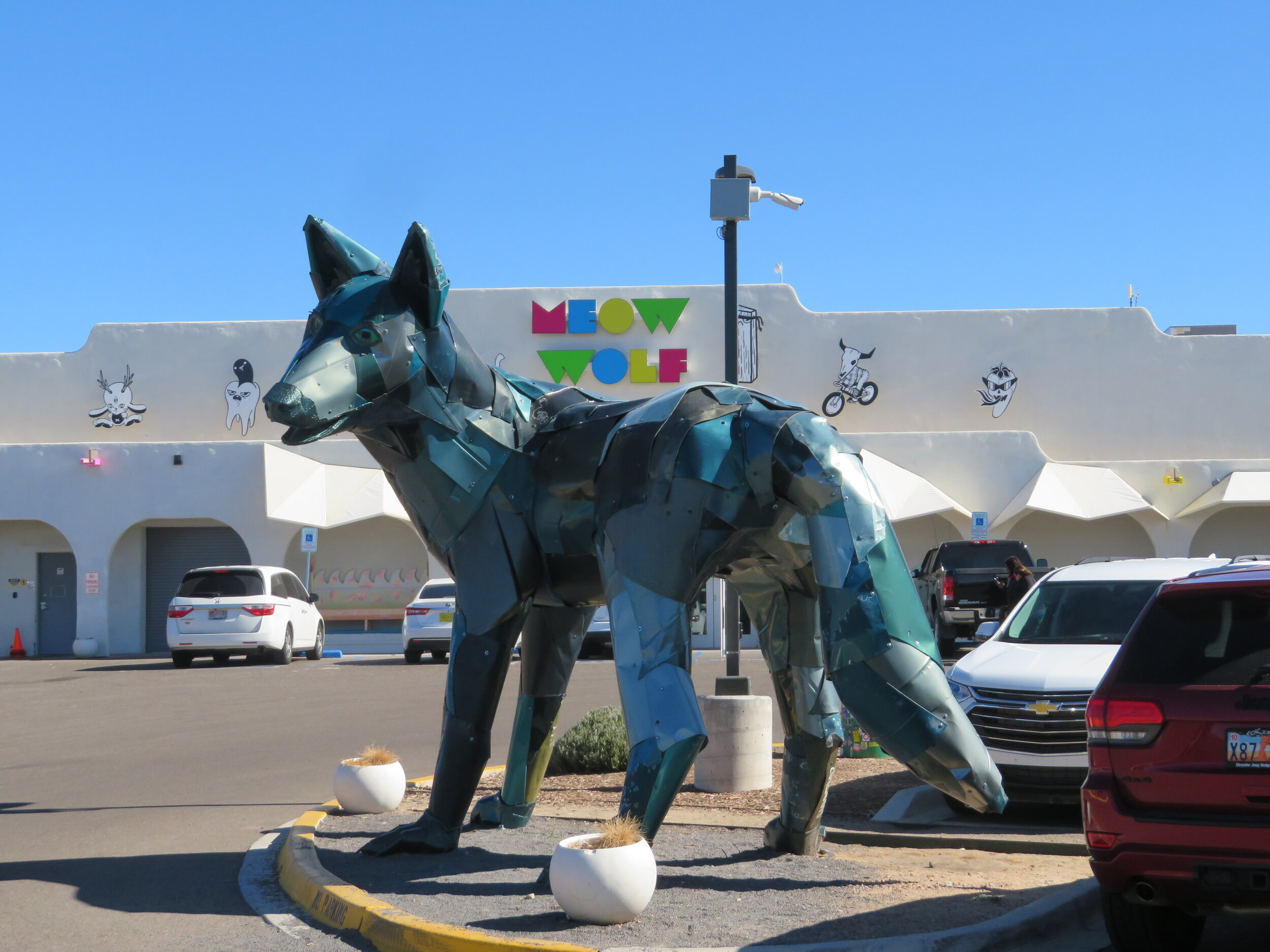 santa-fe_meow-wolf_wolf or coyote.JPG
