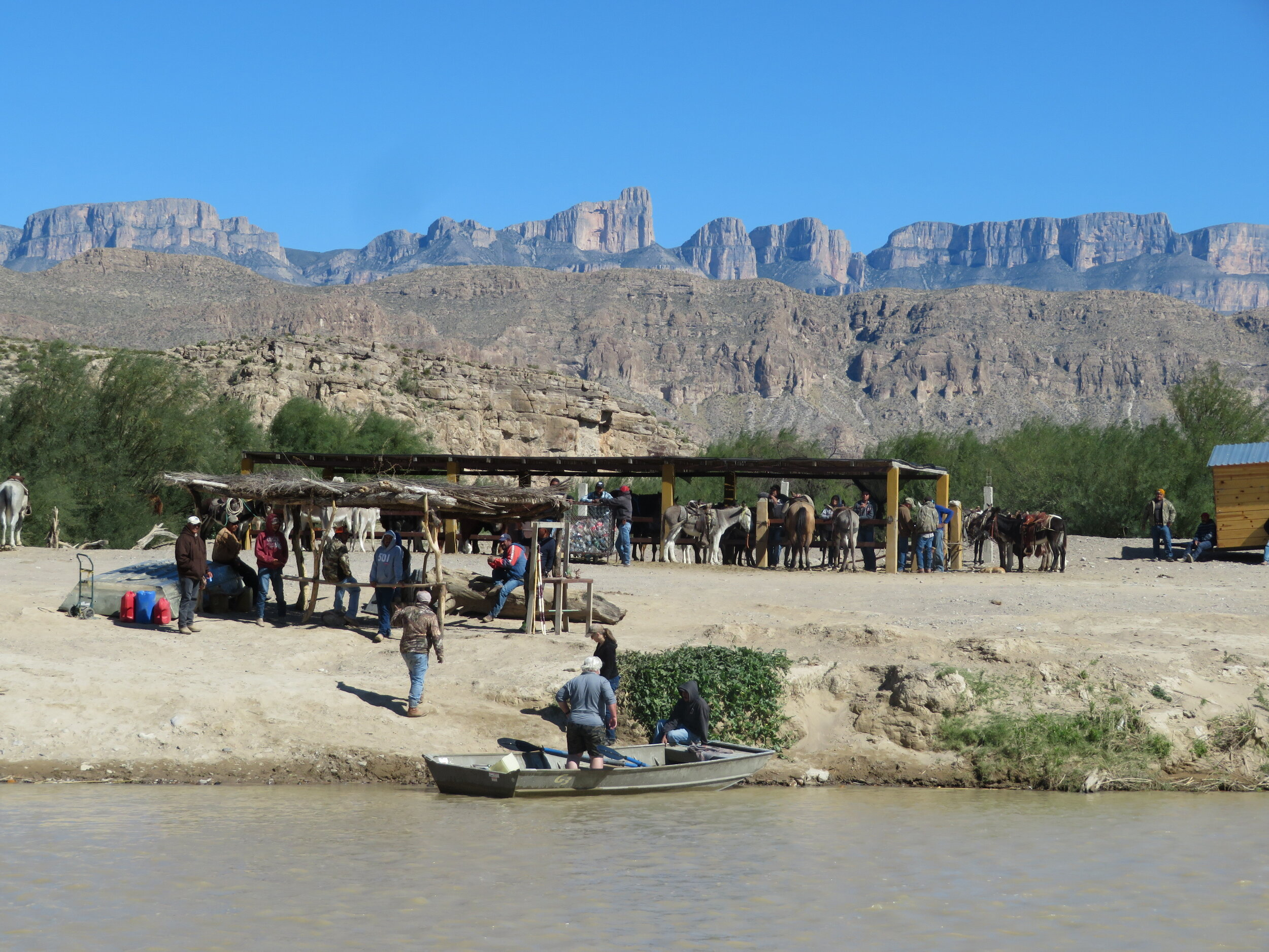 We planned our border crossing to Boquillas, Mexico for the next morning. David will tell you all about it in his next Blue View video… I don't want to spoil the fun.