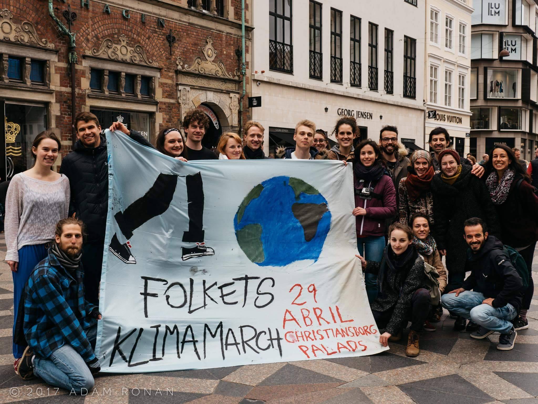 Klimamarch Flashmob Pre-Event (Photo Credit: Adam Ronan)