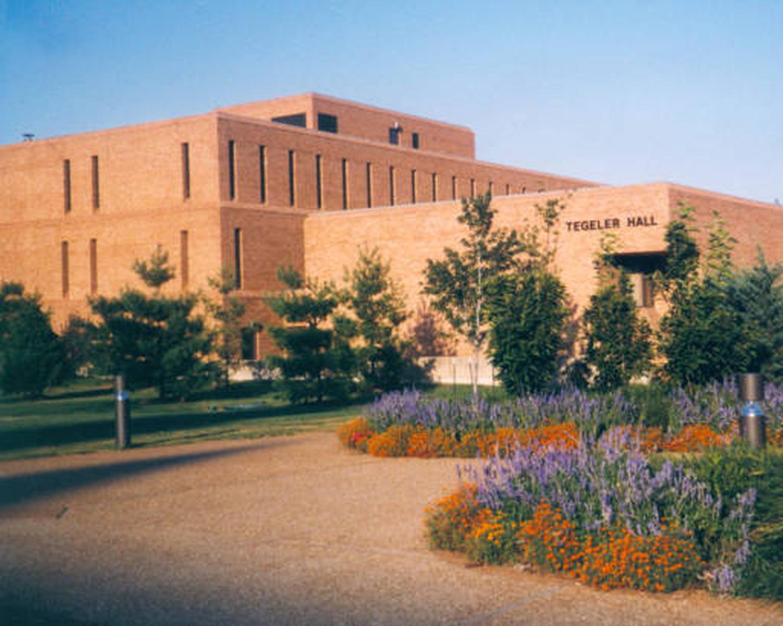 St. Louis University, Tegeler Hall