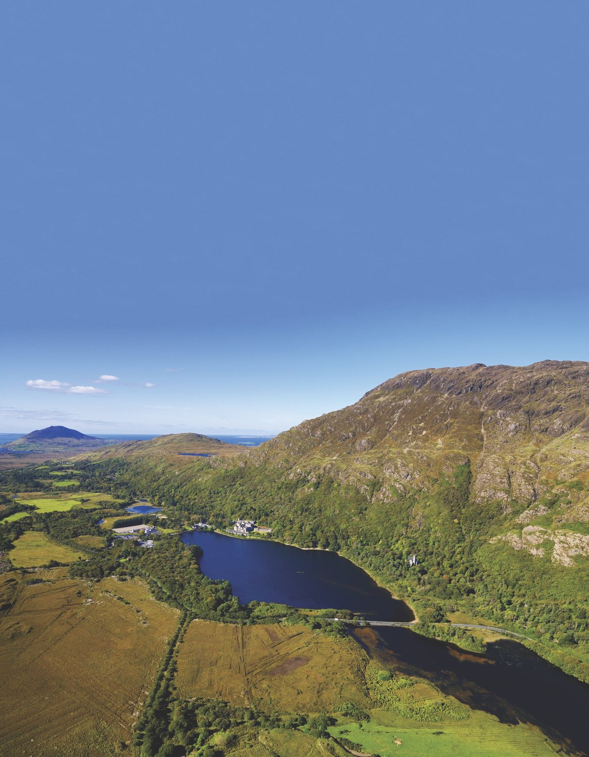 Overview of Kylemore Lough