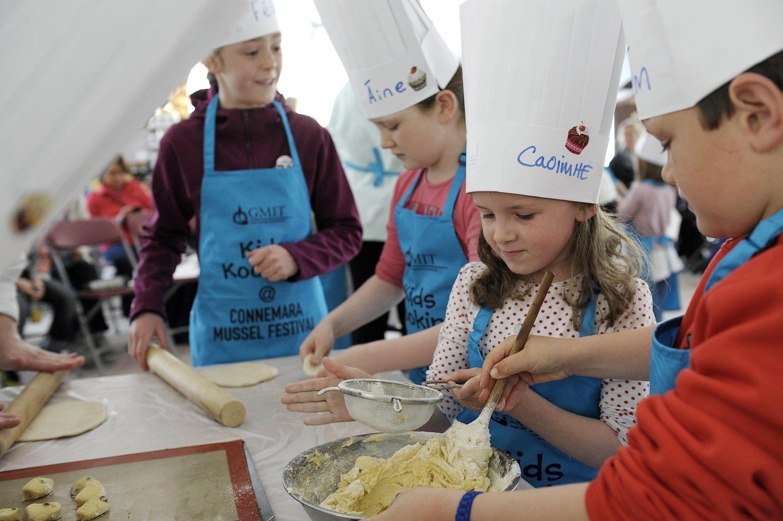 Children participating in Connemara Mussel Festival