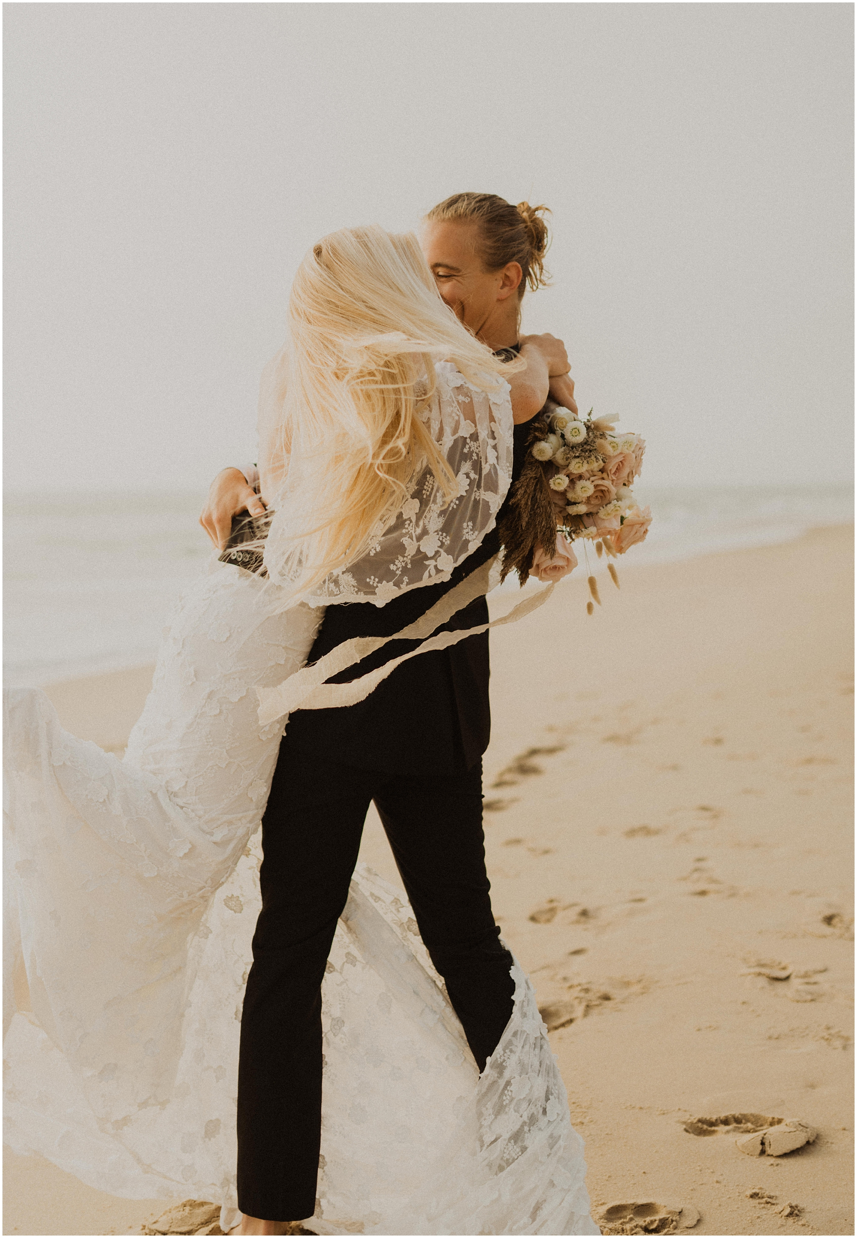 Hannah_Baldwin_Photography_Virginia_Beach_Elopement_Sunrise_0187.jpg