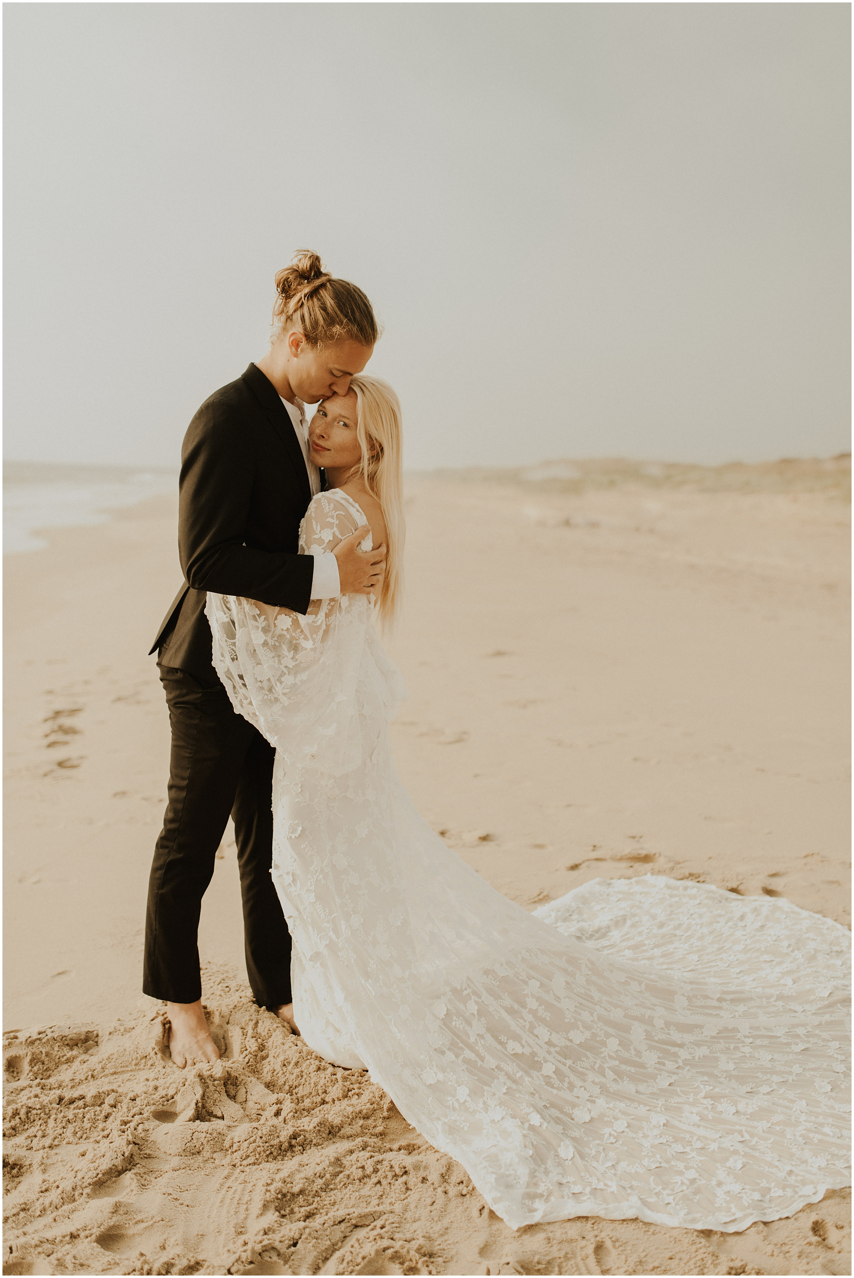 Hannah_Baldwin_Photography_Virginia_Beach_Elopement_Sunrise_0195.jpg
