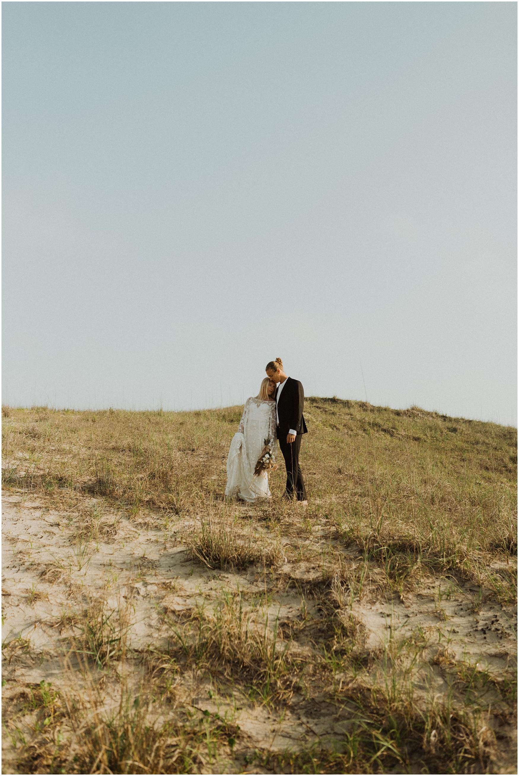 Hannah_Baldwin_Photography_Virginia_Beach_Elopement_Sunrise_0200.jpg