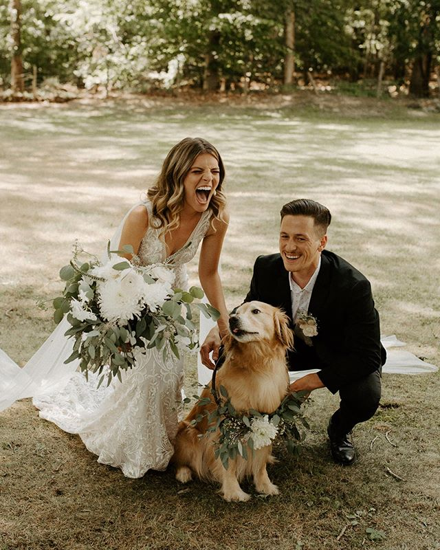 Ethan + Julia's wedding is lowkey making me wanna recreate some wedding portraits just so we could include our pup 😍💛 Absolutely loved these two and this day!!