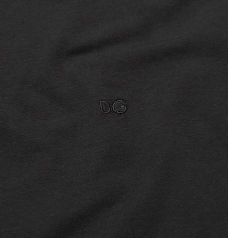 ドルチェ&ガッバーナ  DG・ロゴ・Stretch-Pima Tシャツ   Photo: Mr Porter