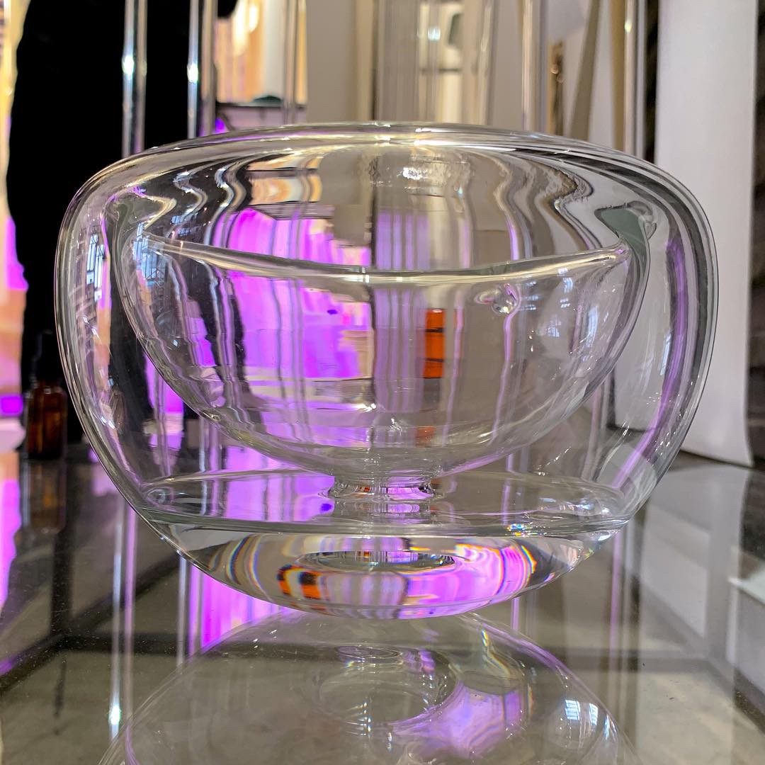 double walled borosilicate glass bowl filled with distilled water