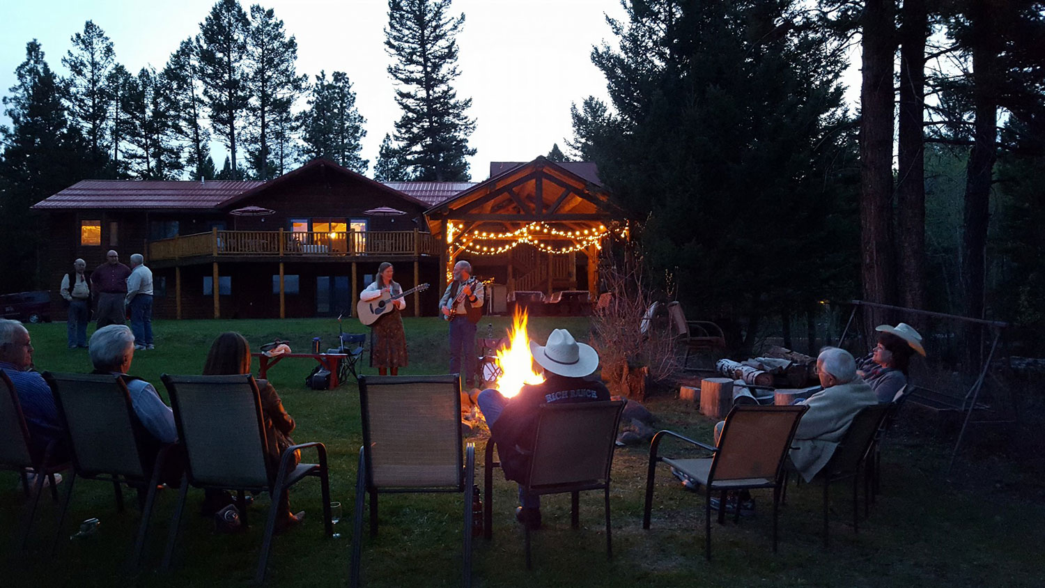Evening-campfire-at-the-Rich-Ranch.jpg