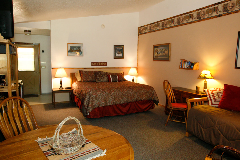 Rich-Ranch-cozy-cabin.jpg