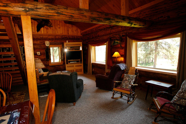 Western-log-lodge---Rich-Ranch.jpg