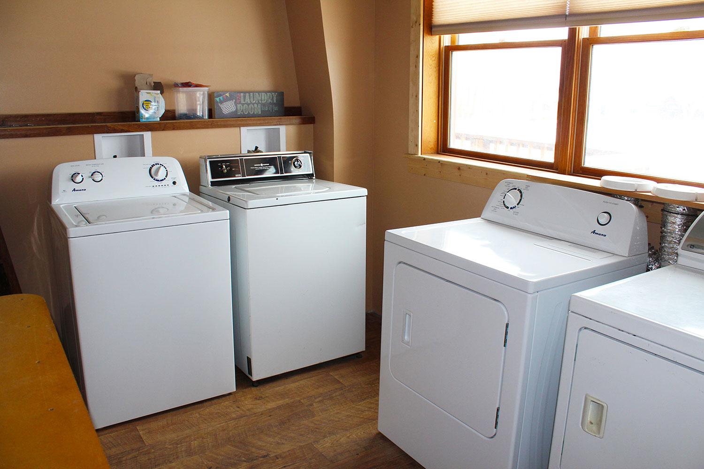 Ovando_Inn_0003_Laundry.jpg