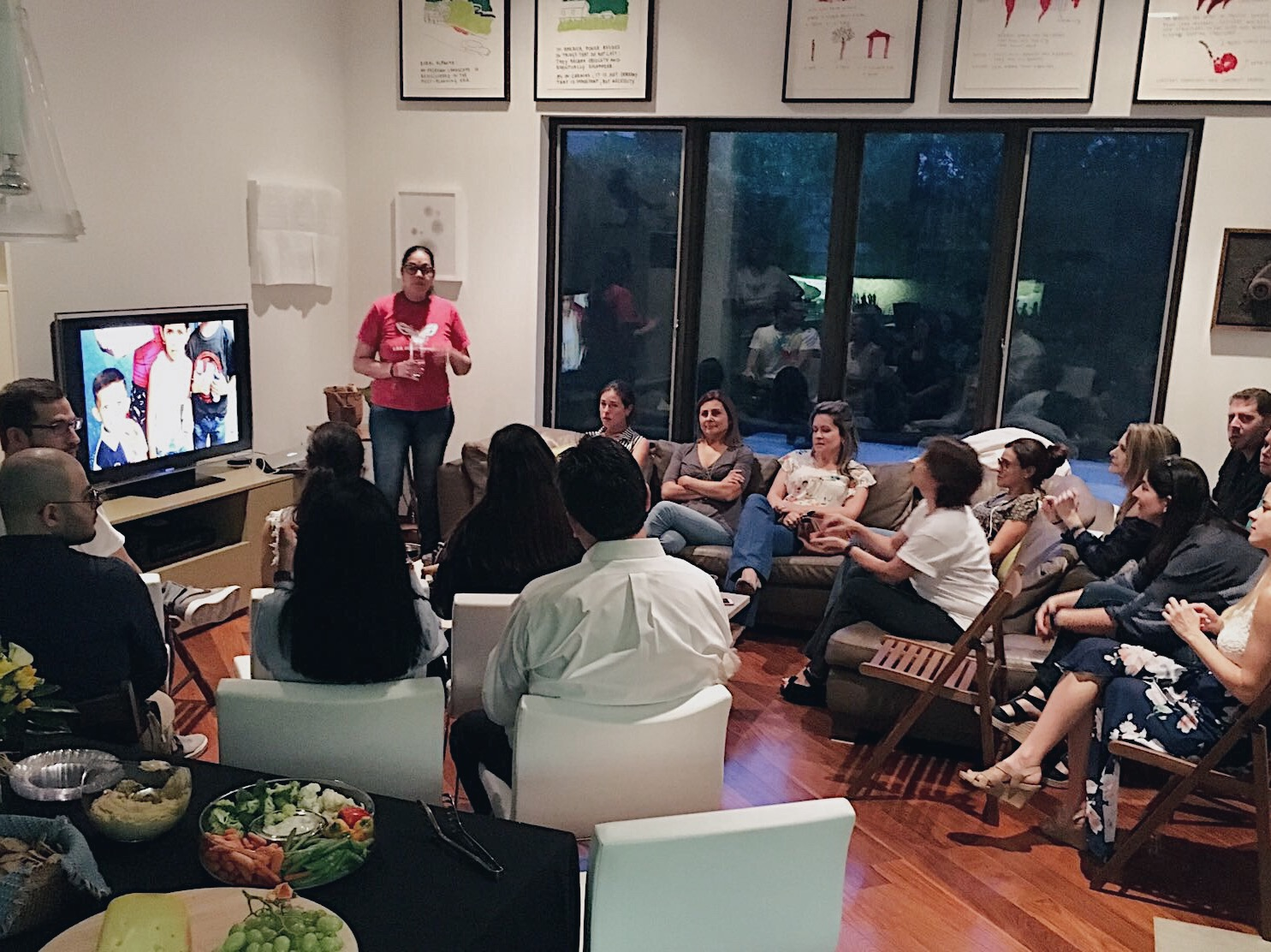 Encuentro con Maria Alejandra Ramos - Around 45 of our supporters came to meet and hear the story of Maria Alejandra Ramos, the founder of our primary partner SOS Somos Portuguesa. It was quite an inspiring experience to hear the stories firsthand of their work with children in Portuguesa.