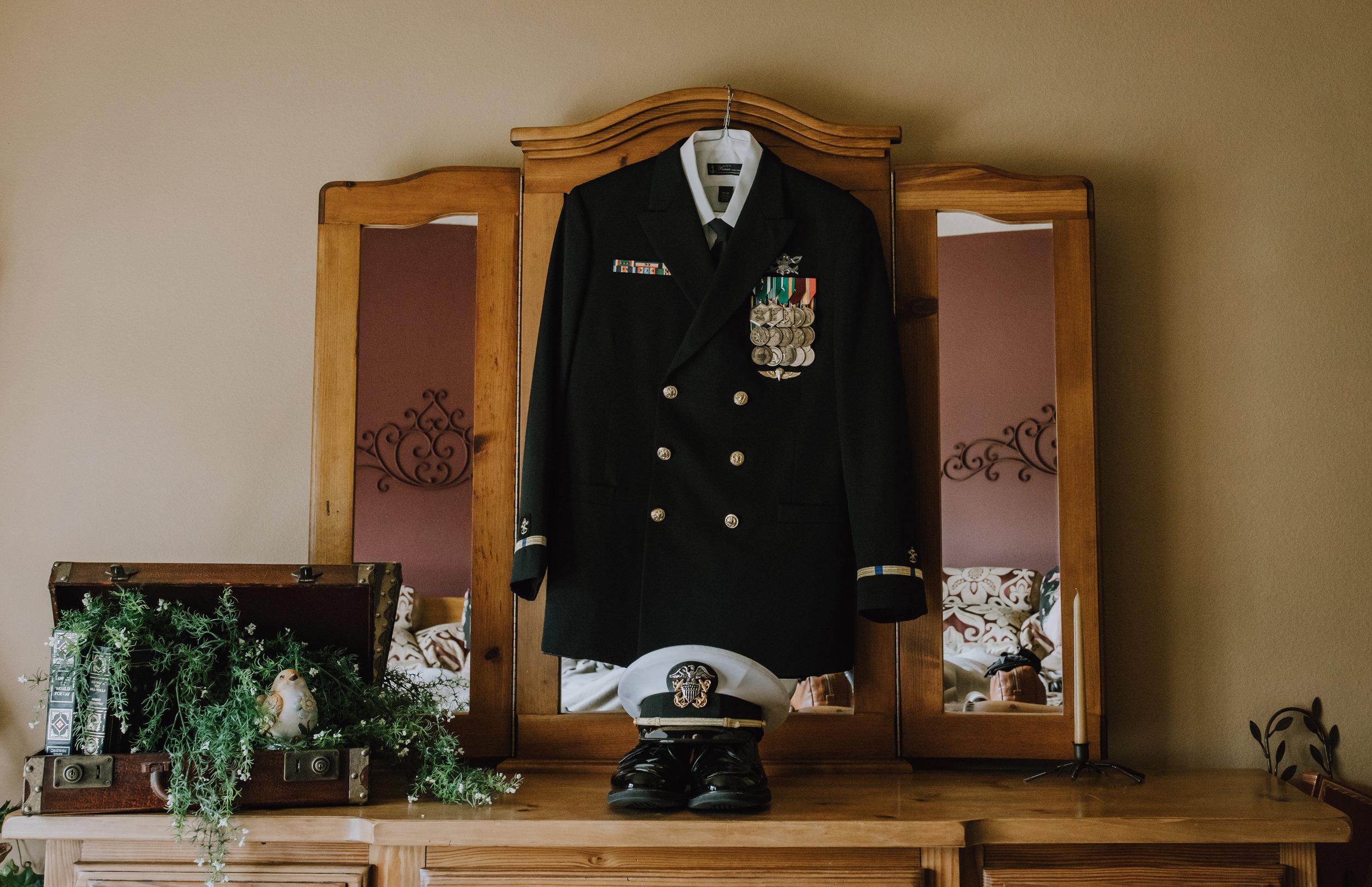 groom's details at wesley chapel wedding