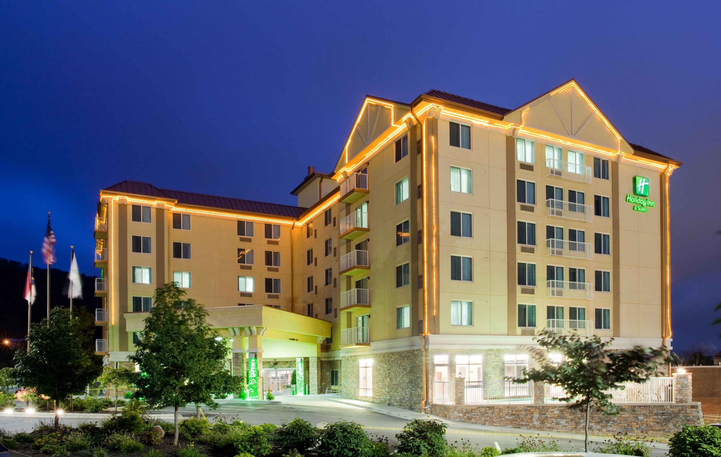 holiday-inn-hotel-and-suites-asheville-2531631180-4x3.jpeg