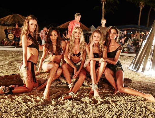 Victoria-Secret-Swim-2015.jpg